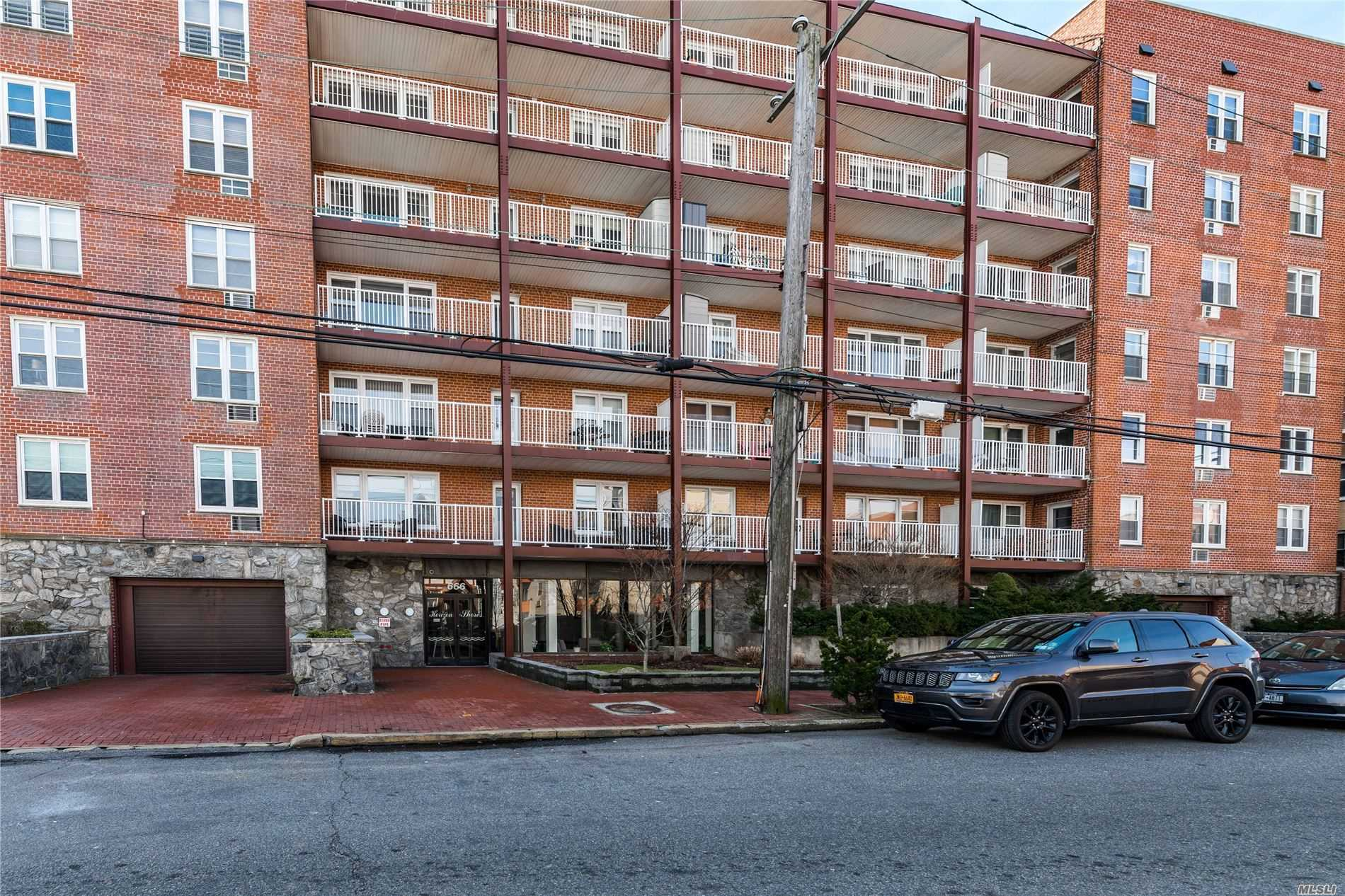 Property for sale at 666 Shore Road # 4D, Long Beach NY 11561, Long Beach,  New York 11561