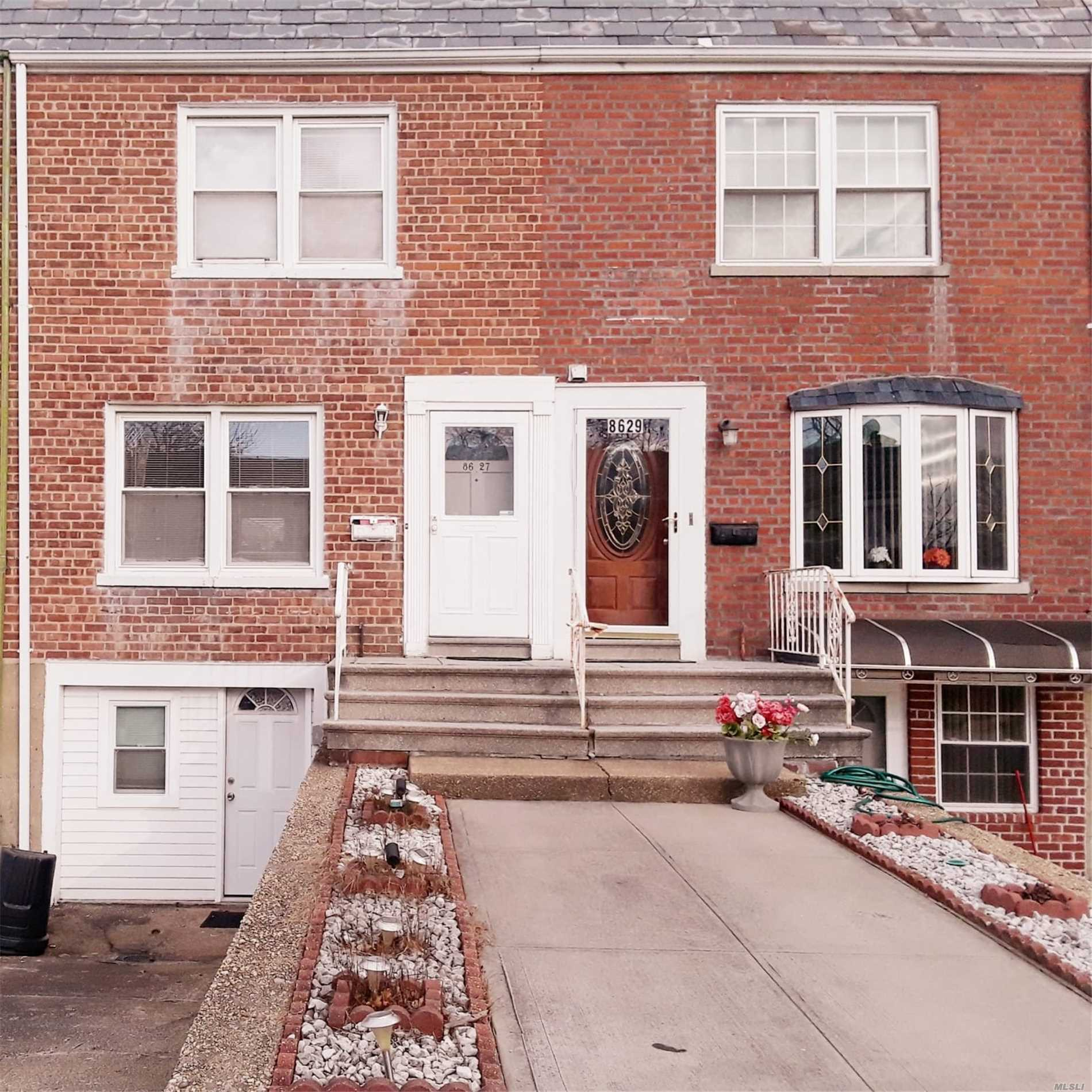 Property for sale at 86-27 256th Street, Floral Park NY 11001, Floral Park,  New York 11001