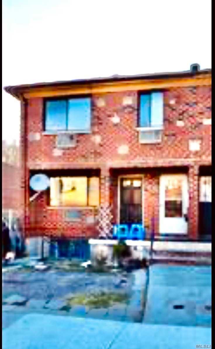 61-47 164TH STREET, FRESH MEADOWS, NY 11365