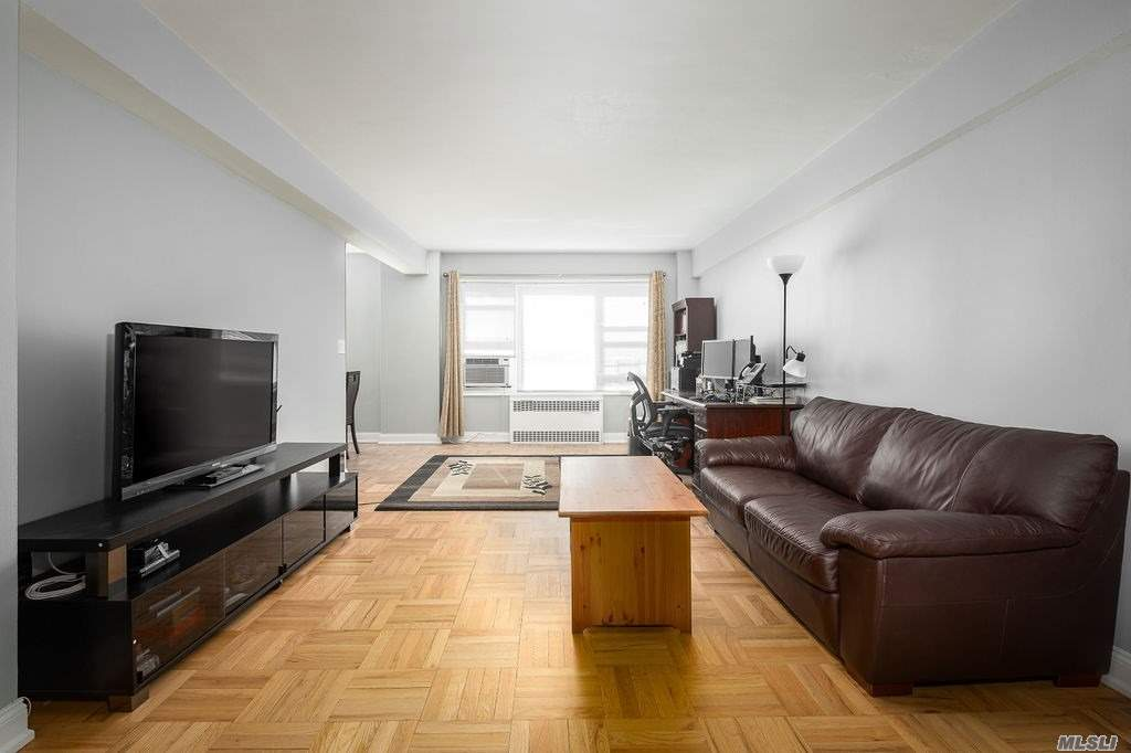 110-20 71st Road 716, Forest Hills, NY 11375