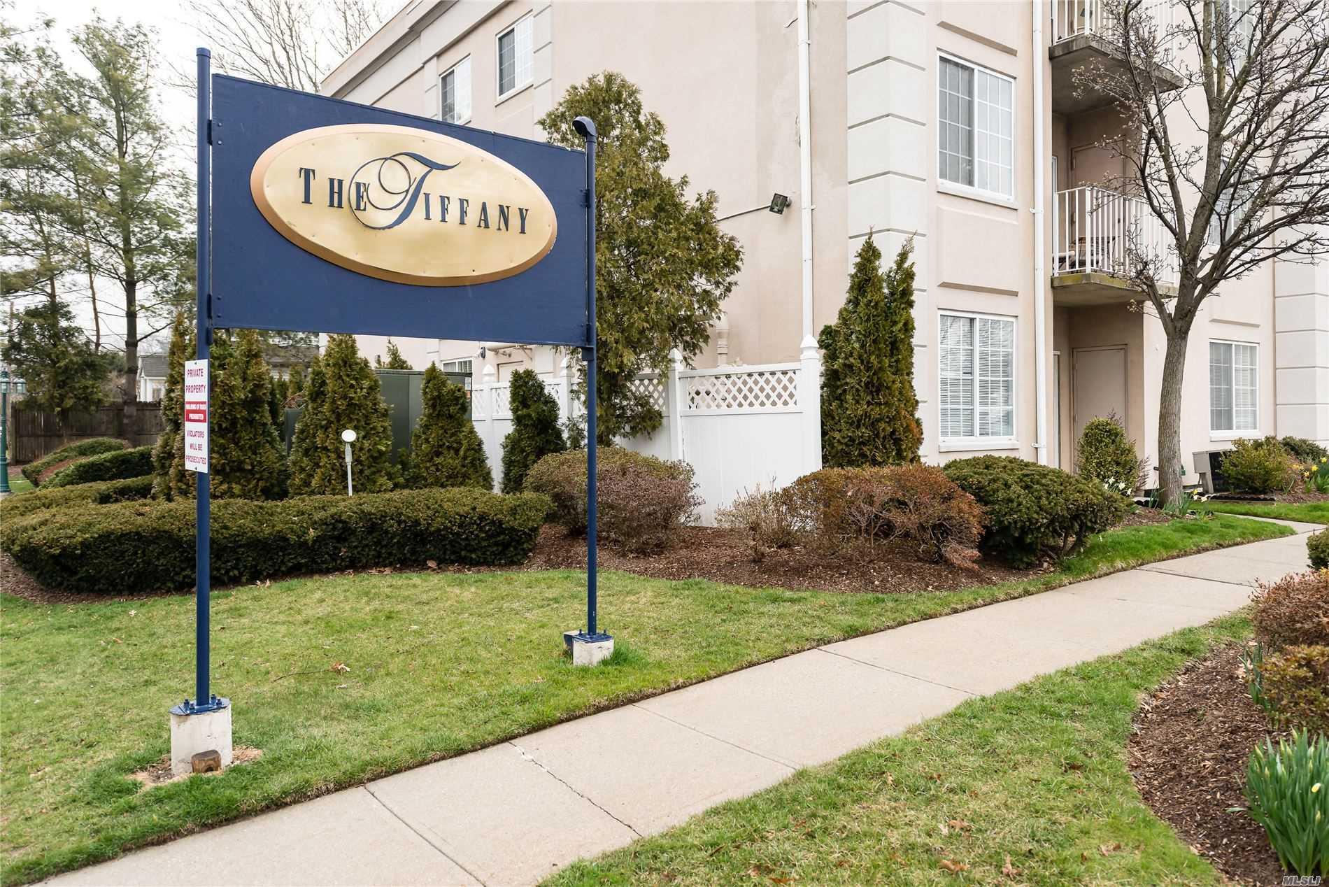 Property for sale at 54 School Street # 115, Westbury NY 11590, Westbury,  New York 11590