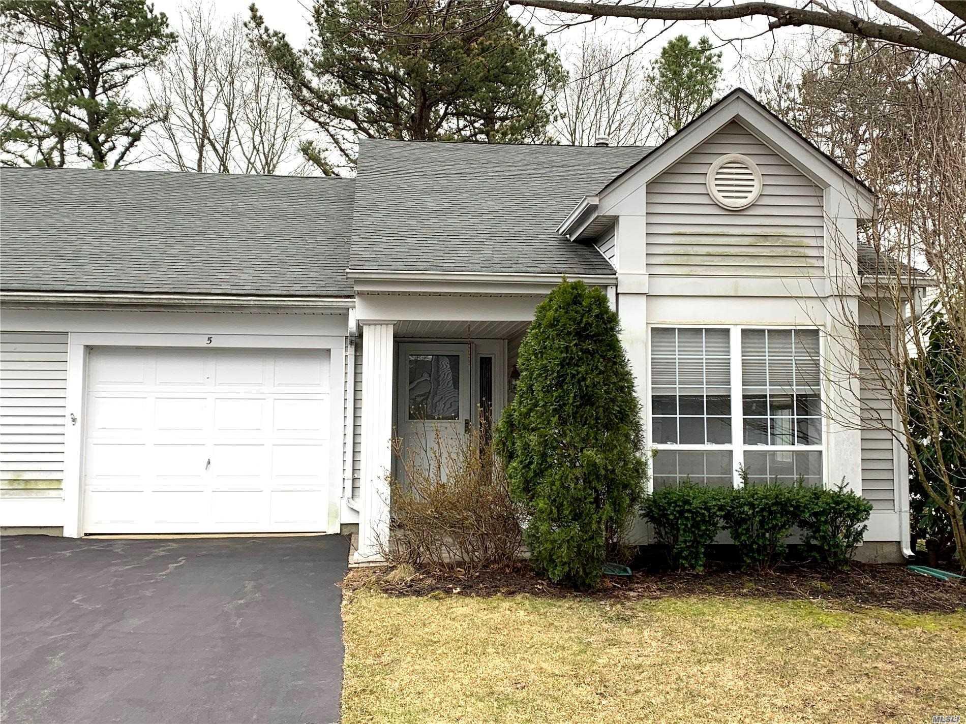 Property for sale at 5 Brookville Court, Ridge NY 11961, Ridge,  New York 11961