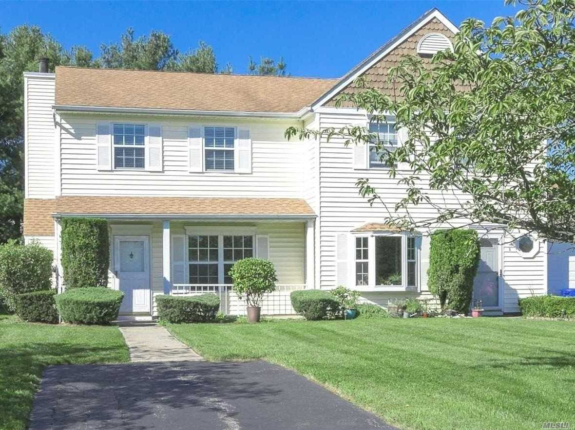 Property for sale at 2 Dove Path, Coram NY 11727, Coram,  New York 11727
