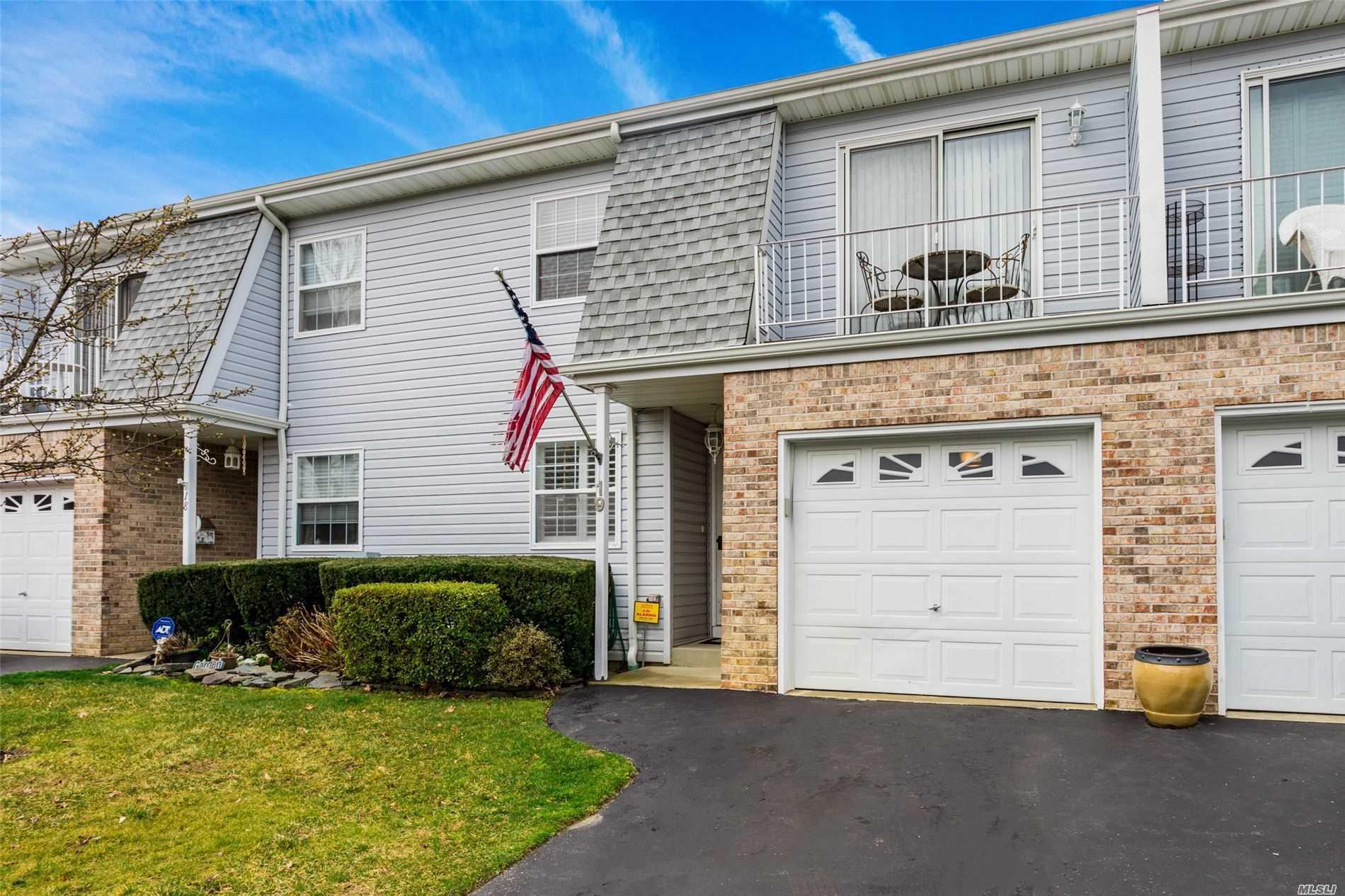 Property for sale at 336 Commack Road # 19, Deer Park NY 11729, Deer Park,  New York 11729