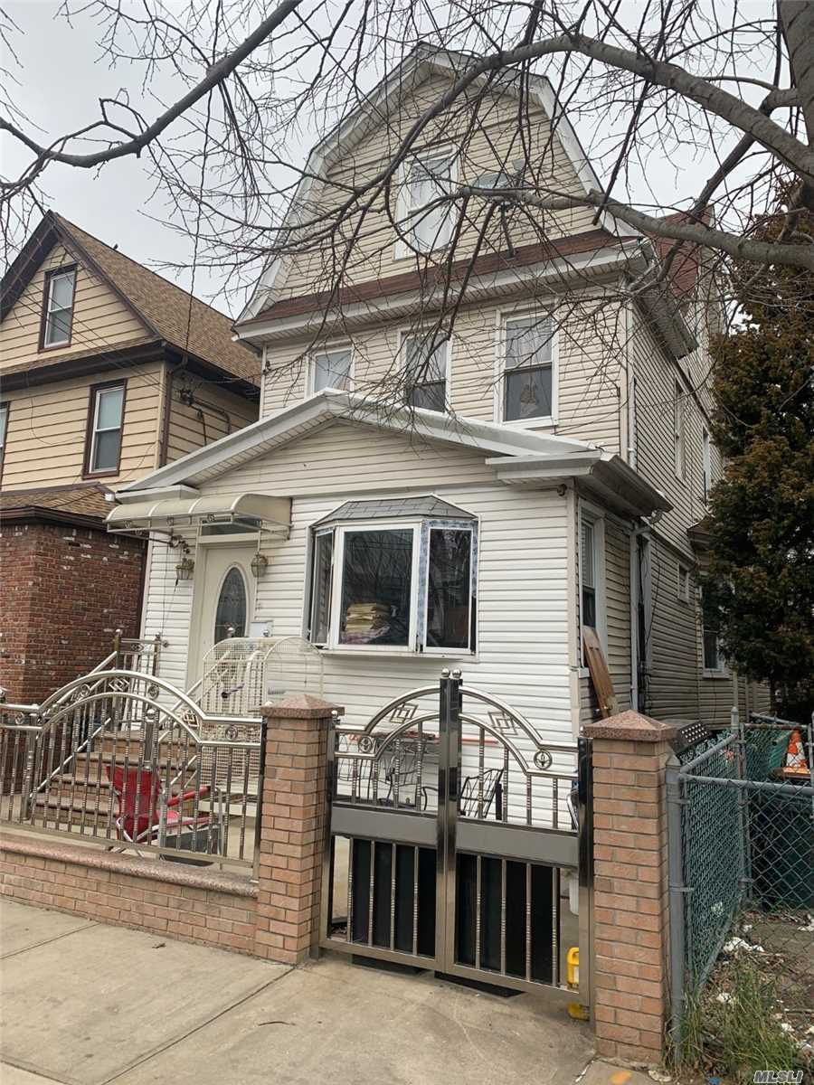 Property for sale at 94-17 112th Street, Richmond Hill,  New York 11418