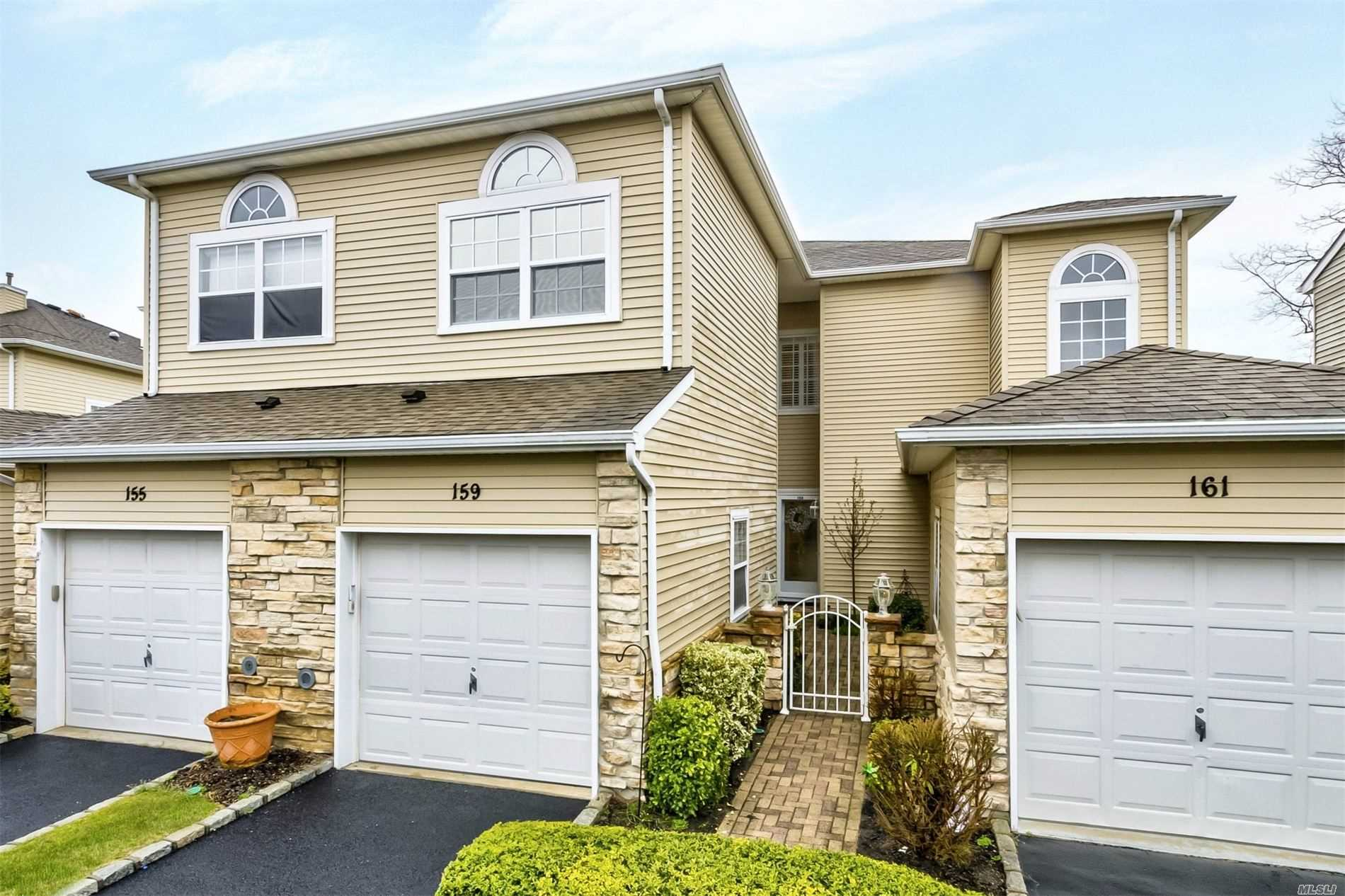 Property for sale at 159 Windwatch, Hauppauge NY 11788, Hauppauge,  New York 11788