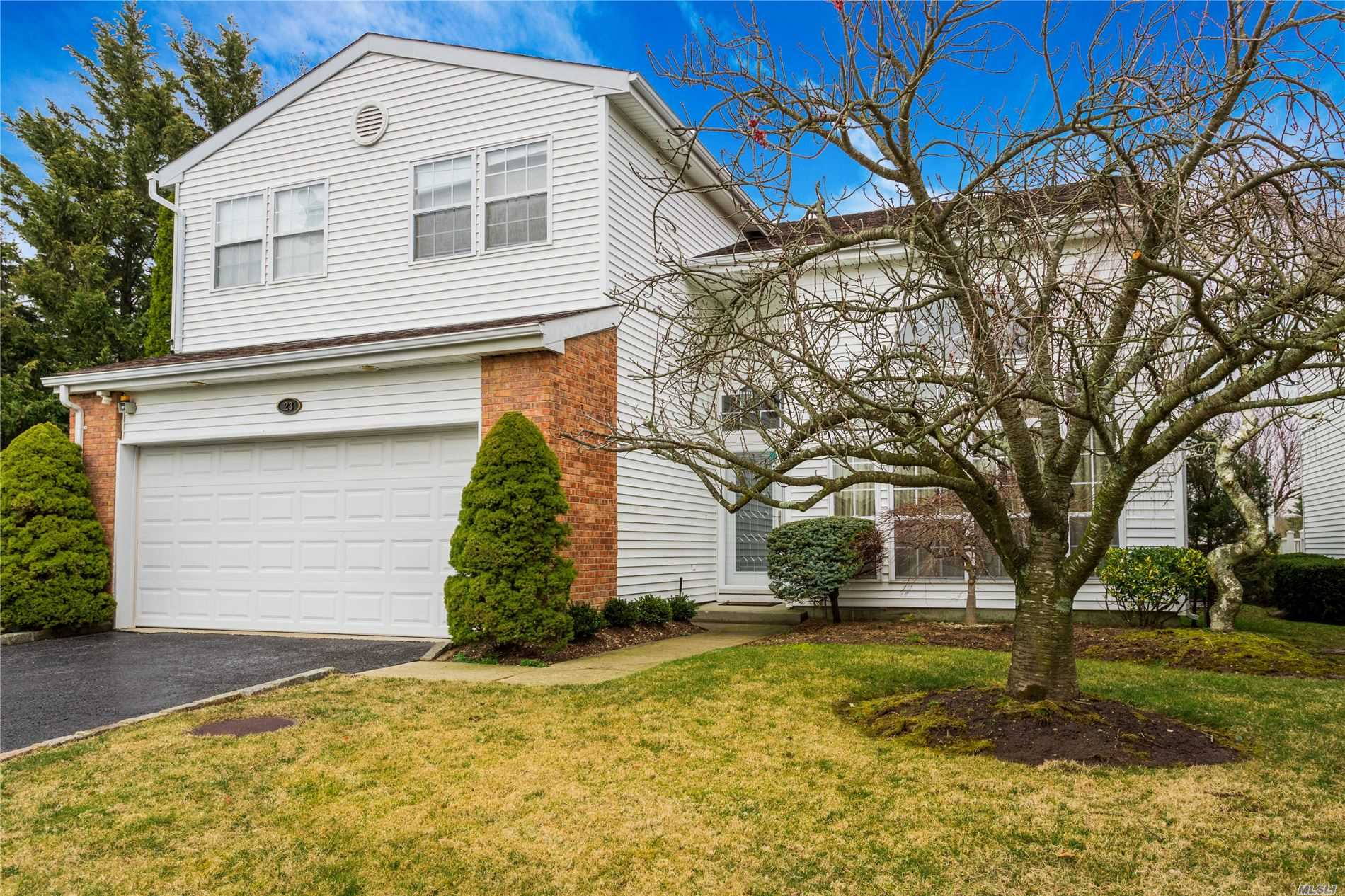 Property for sale at 23 Hamlet Drive, Commack,  New York 1