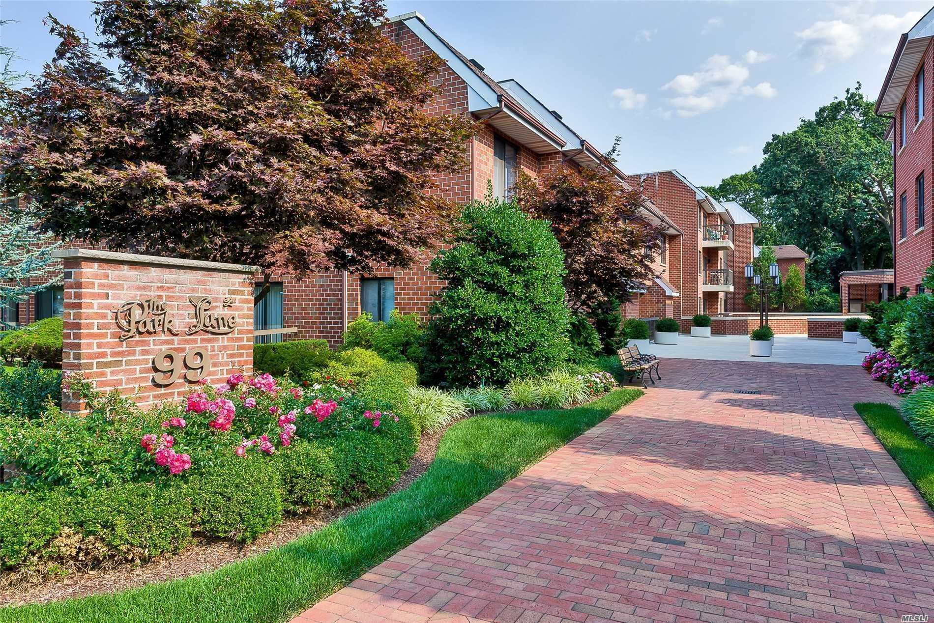 Property for sale at 99 South Park Avenue # 219, Rockville Centre NY 11570, Rockville Centre,  New York 11570