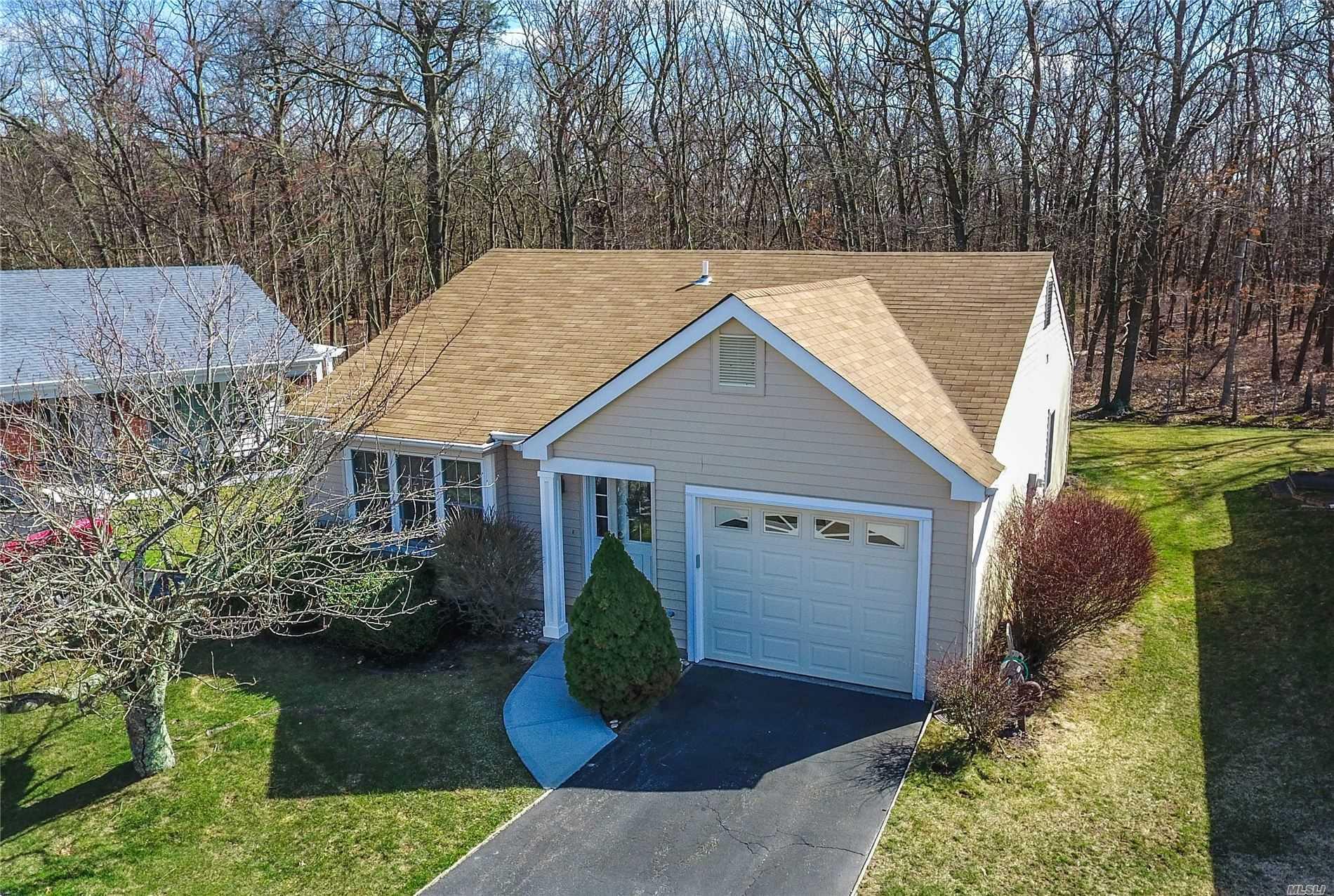 Property for sale at 517 Lancaster Ct, Ridge NY 11961, Ridge,  New York 11961