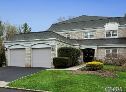 Property for sale at 23 Fairway S Circle, Manhasset,  New York 11030