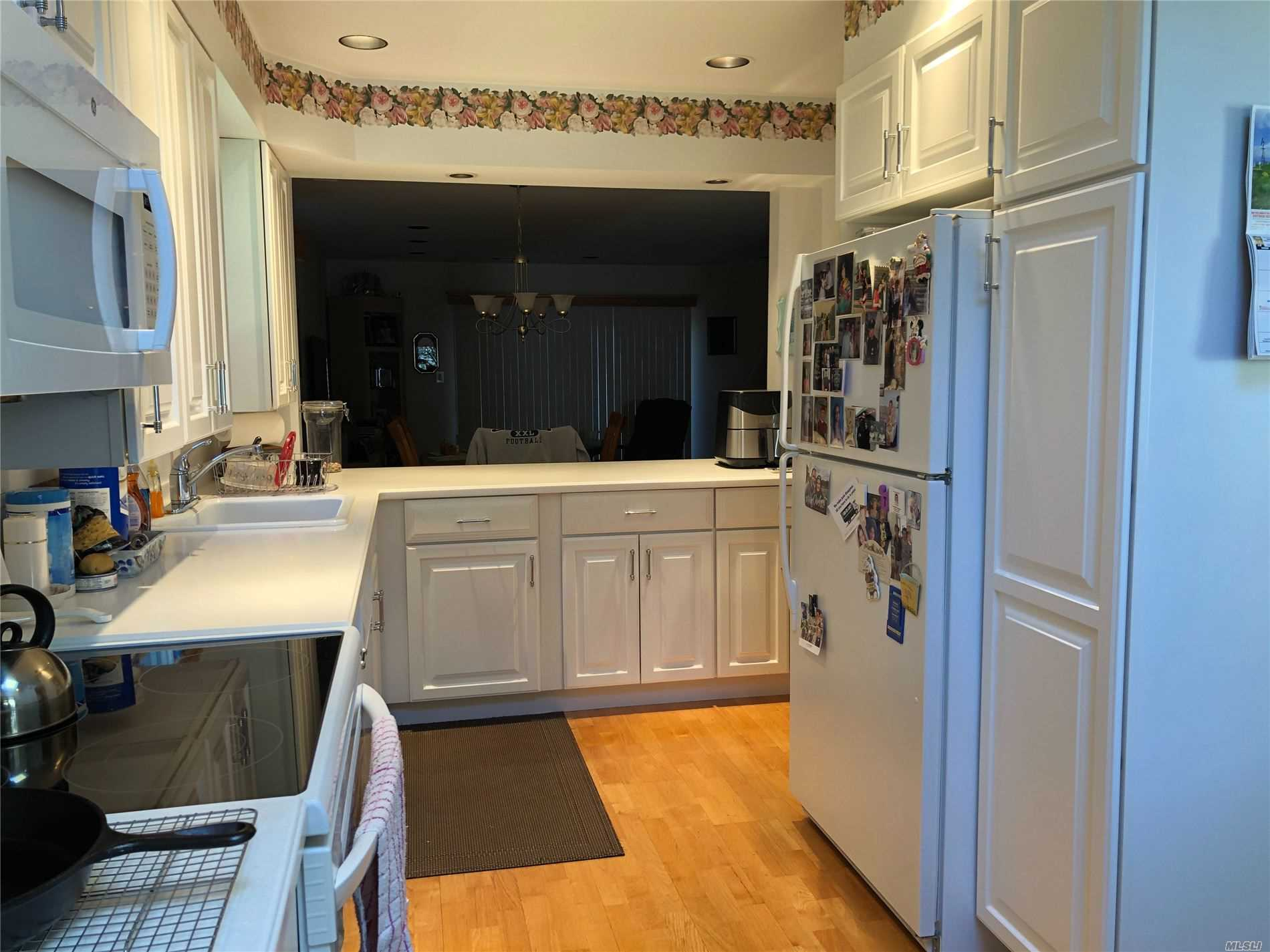 Property for sale at 170 Laurel Ln, Wantagh,  New York 11793