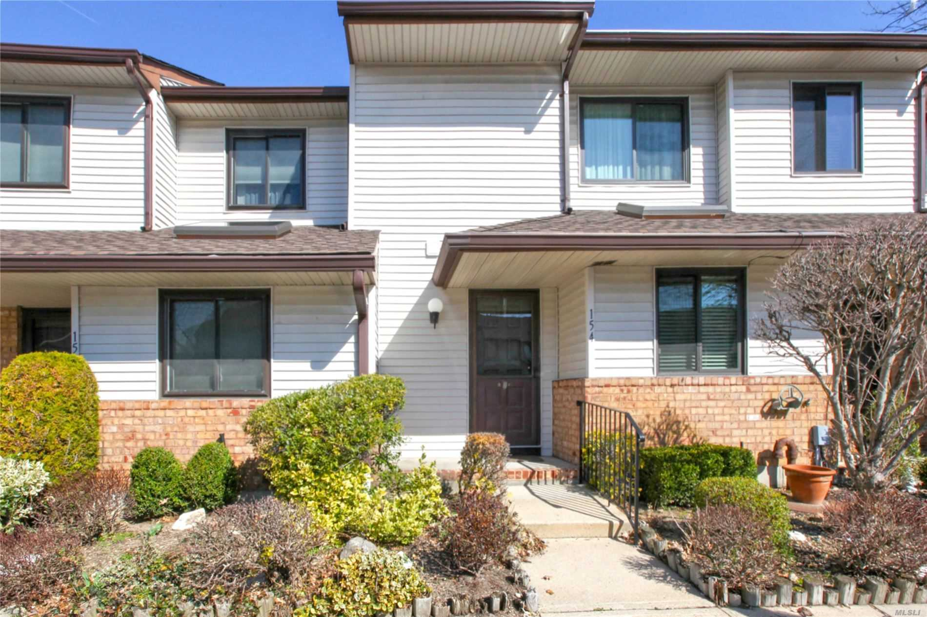 Property for sale at 154 Laurel Lane, Wantagh NY 11793, Wantagh,  New York 11793