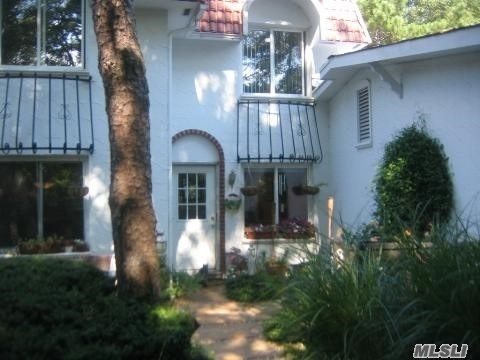 Property for sale at 305 Birchwood Rd, Medford NY 11763, Medford,  New York 11763