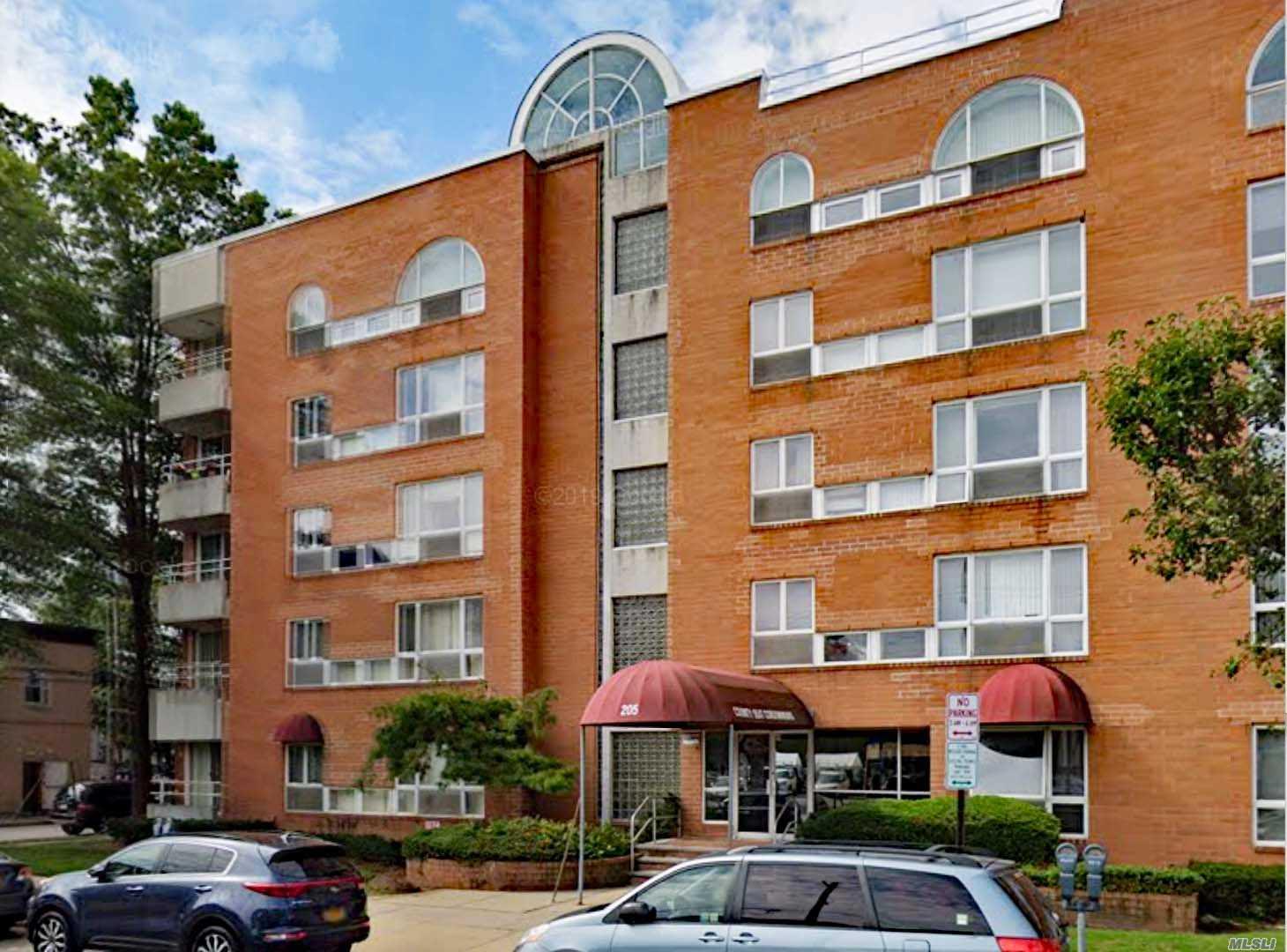 Property for sale at 205 Mineola Boulevard, Mineola NY 11501, Mineola,  New York 11501