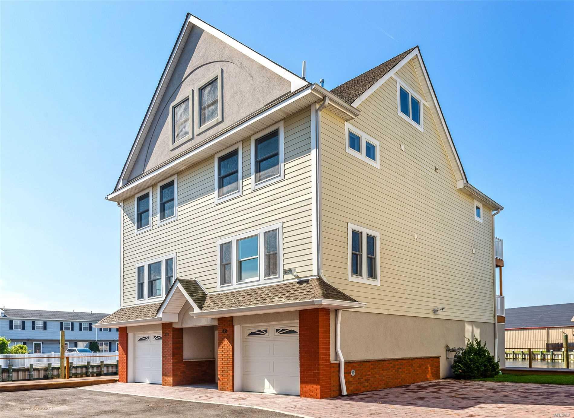 Property for sale at 531 Ray Street # 18, Freeport NY 11520, Freeport,  New York 11520