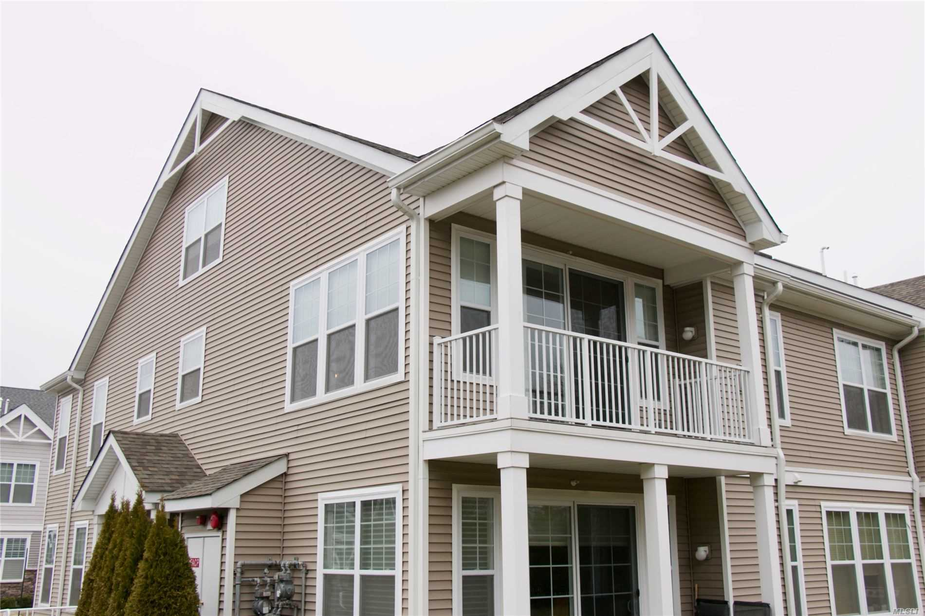 Property for sale at 2502 Townhome Way, Huntington Sta NY 11746, Huntington Sta,  New York 11746