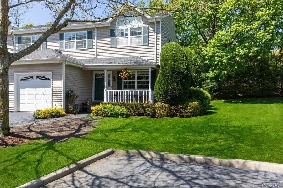 Property for sale at 9 Springwood Lane, Huntington NY 11743, Huntington,  New York 11743