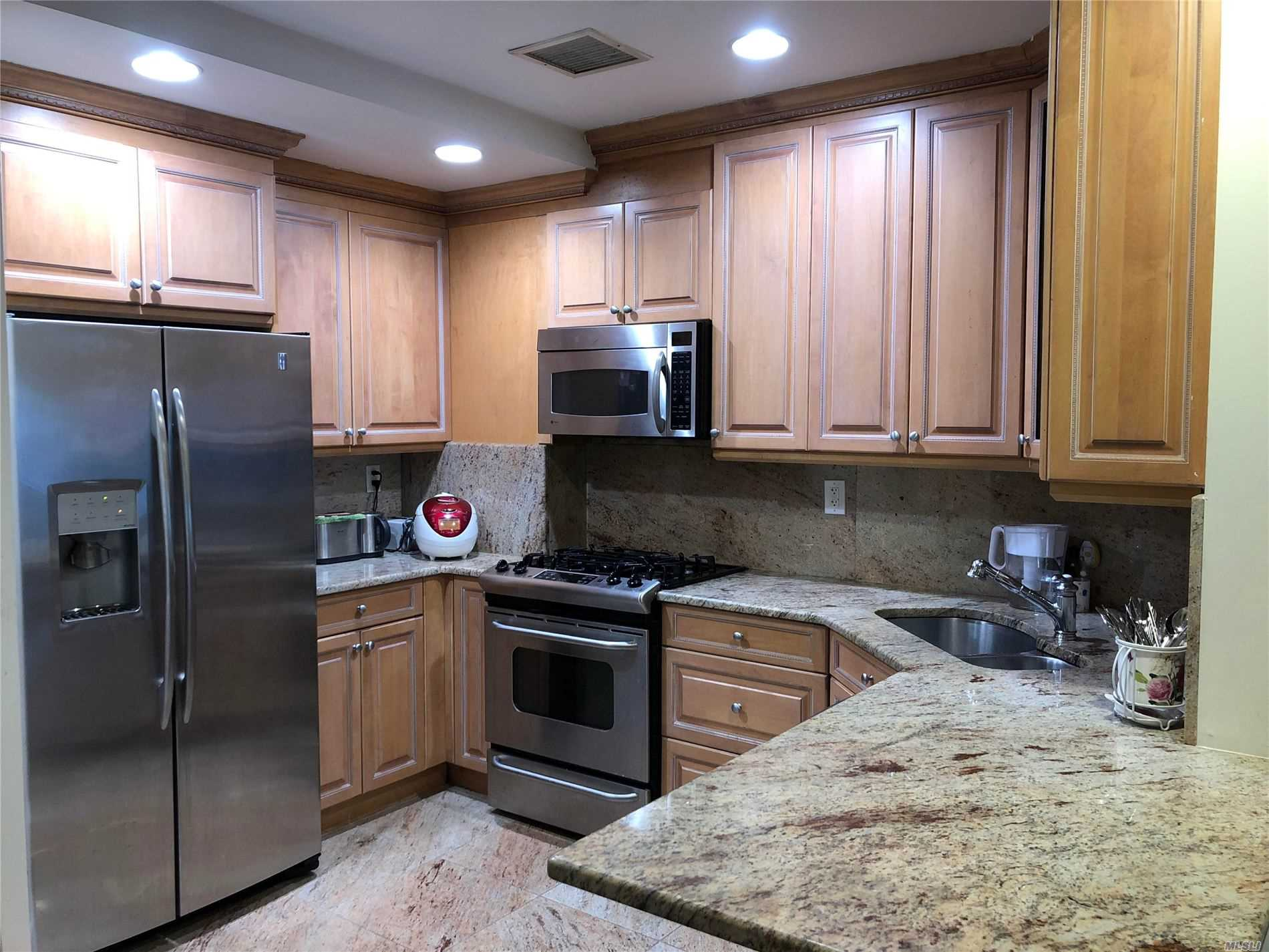 Property for sale at 171 Great Neck Road Unit: 1G, Great Neck,  New York 11021