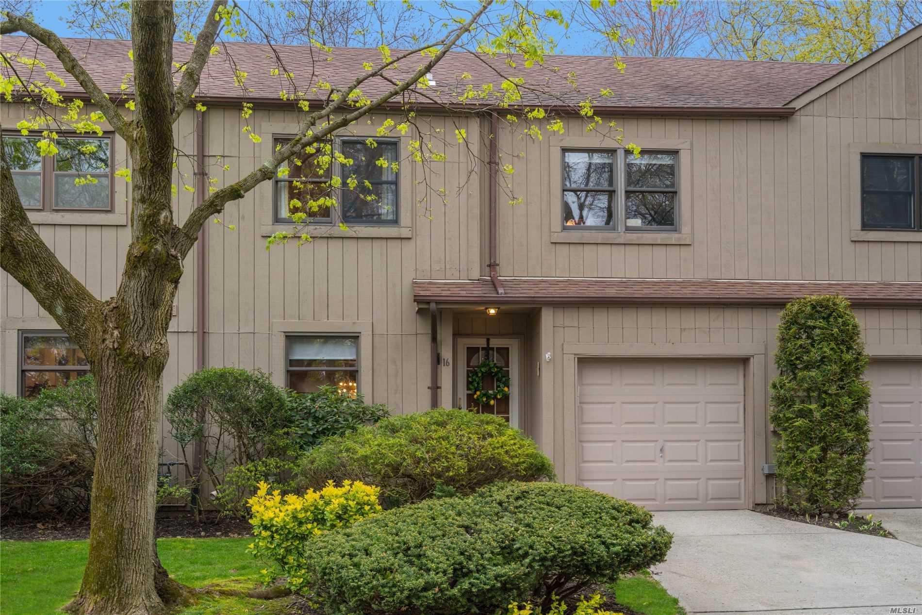 Property for sale at 16 High Oak Ct, Huntington NY 11743, Huntington,  New York 11743