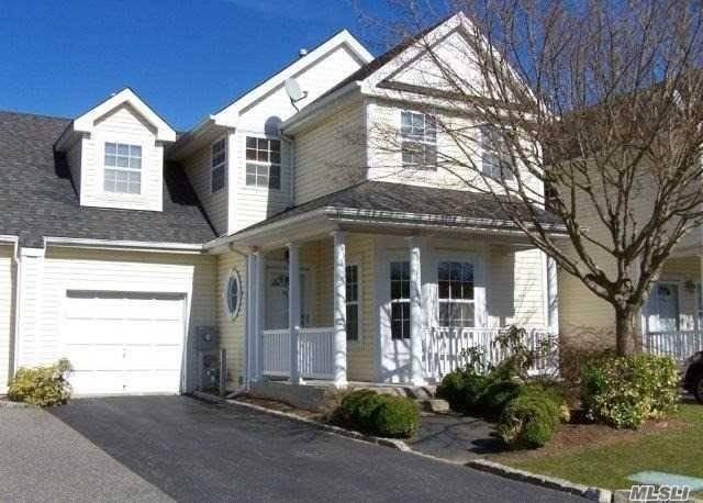 Property for sale at 49 Paddington Cir, Smithtown NY 11787, Smithtown,  New York 11787