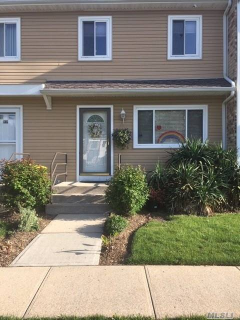 Property for sale at 67 Town House Drive, Massapequa Park NY 11762, Massapequa Park,  New York 11762