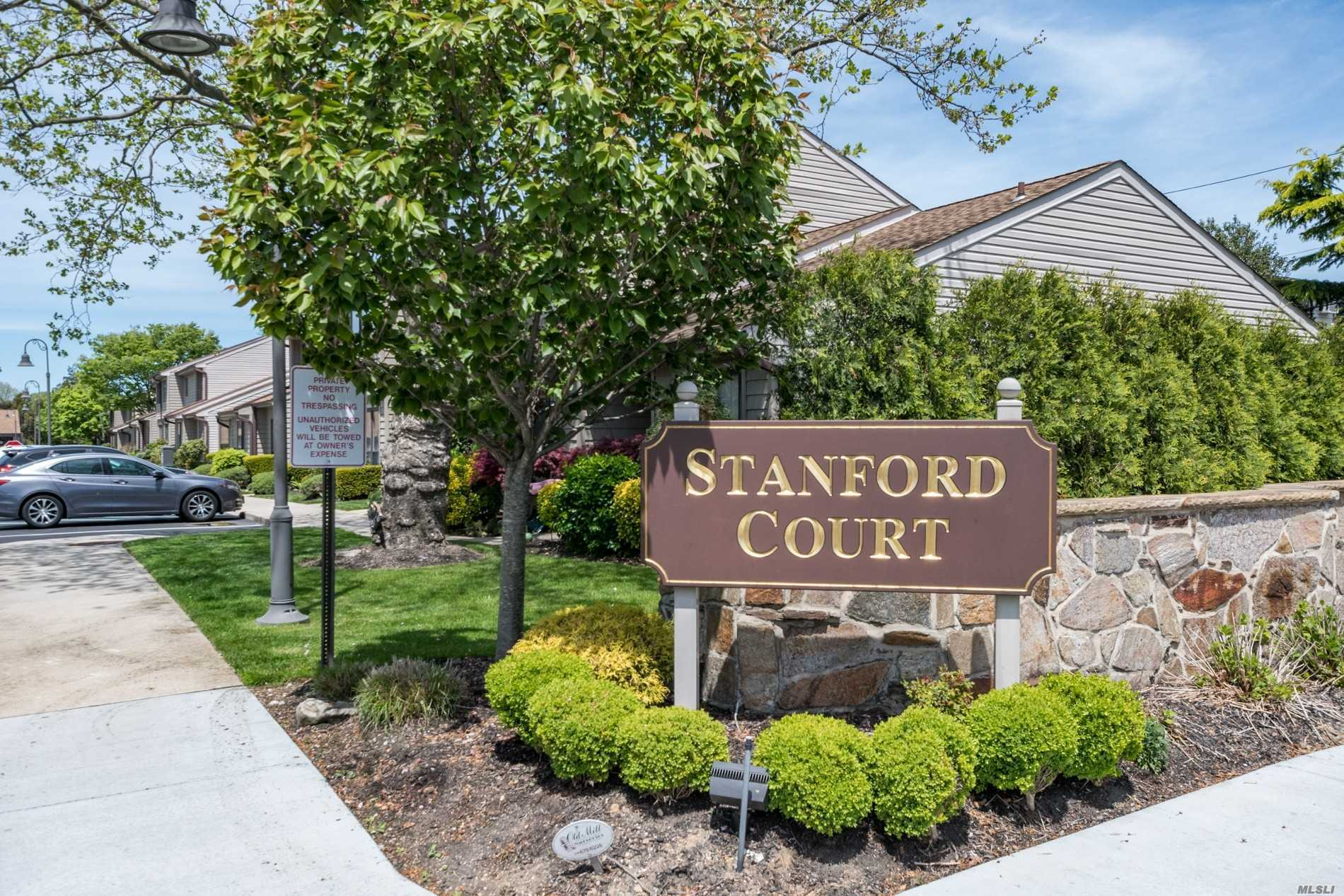 Property for sale at 78 Stanford Ct, Wantagh,  New York 11793