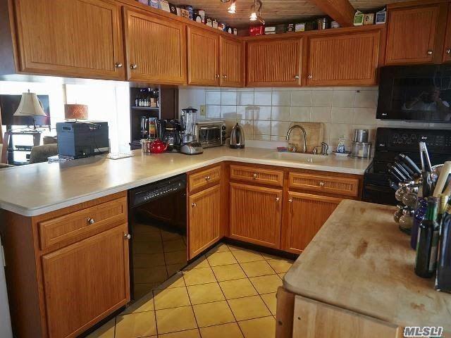 Single Family Sagamore Hill Drive  Nassau, NY 11050, MLS-3216655-6