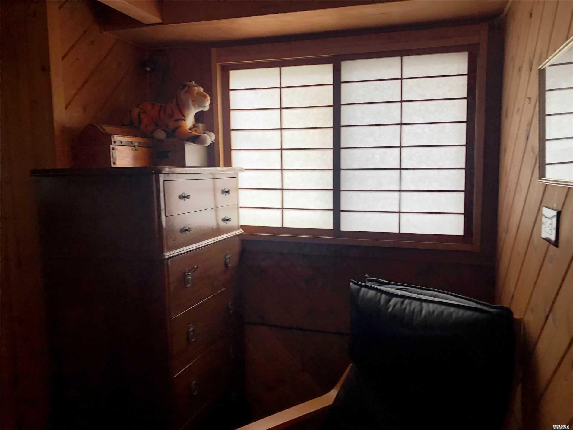 Single Family Sagamore Hill Drive  Nassau, NY 11050, MLS-3216655-17