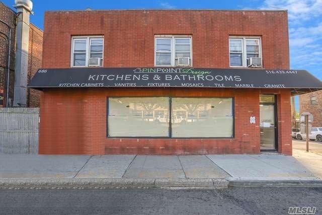 Property for sale at 686 Port Washington Boulevard, Port Washington,  New York 11050