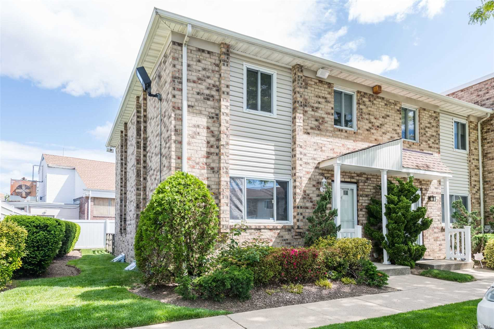 Property for sale at 1595 N Central Ave Unit: 44, Valley Stream,  New York 11580