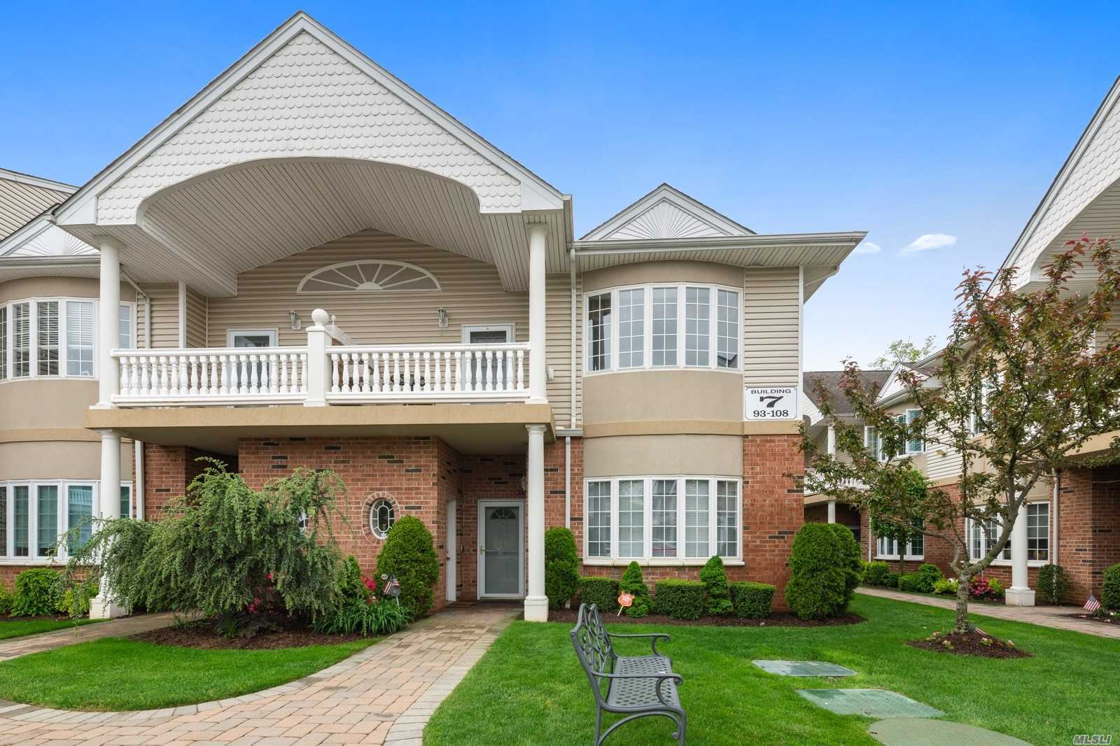 Property for sale at 107 Francesca Way, Amityville NY 11701, Amityville,  New York 11701