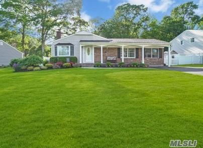 22 Apple Tree Drive, Hauppauge NY 11788
