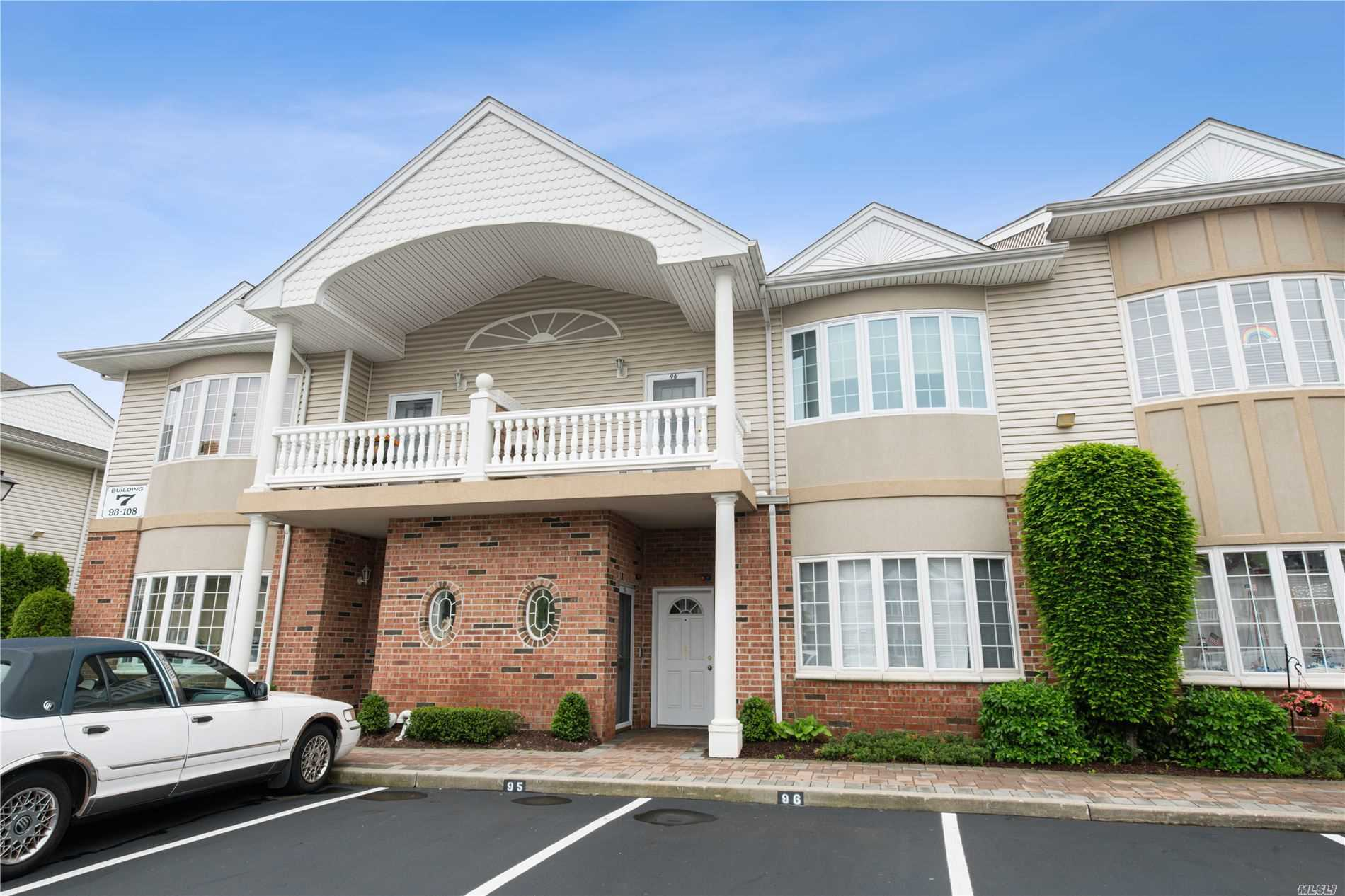 Property for sale at 96 Francesca Way, Amityville NY 11701, Amityville,  New York 11701