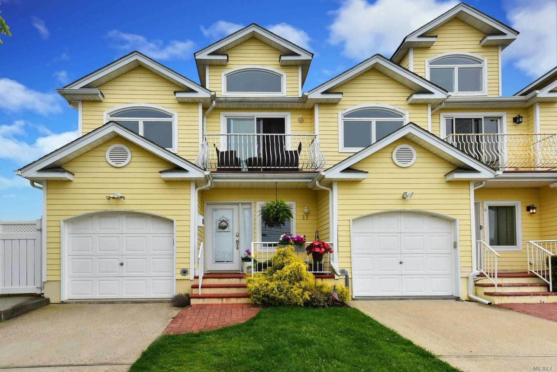 Property for sale at 11 Alhambra Rd, Massapequa NY 11758, Massapequa,  New York 11758