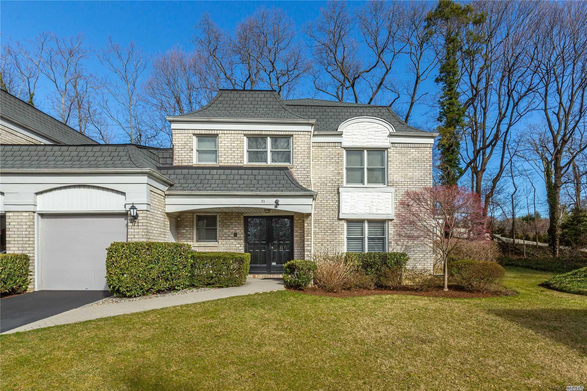 Property for sale at 71 N Fairway Cir, Manhasset,  New York 11030