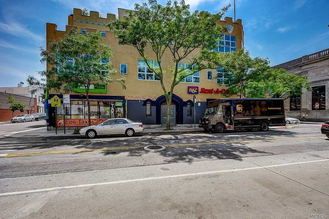 Property for sale at 852 Cypress Avenue Unit: 2F, Flushing,  New York 11385