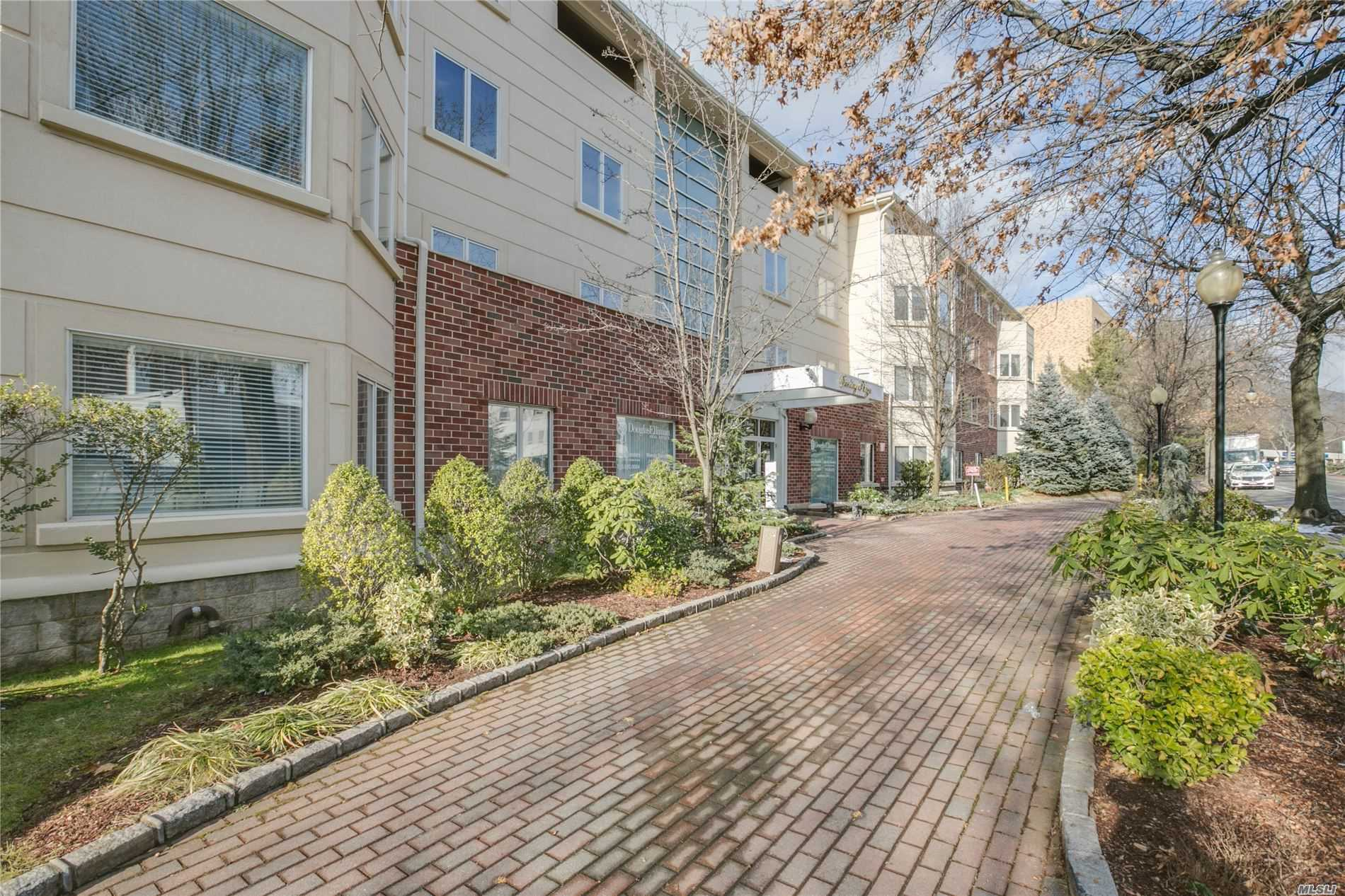 Property for sale at 171 Great Neck Road Unit: 3R, Great Neck,  New York 11021