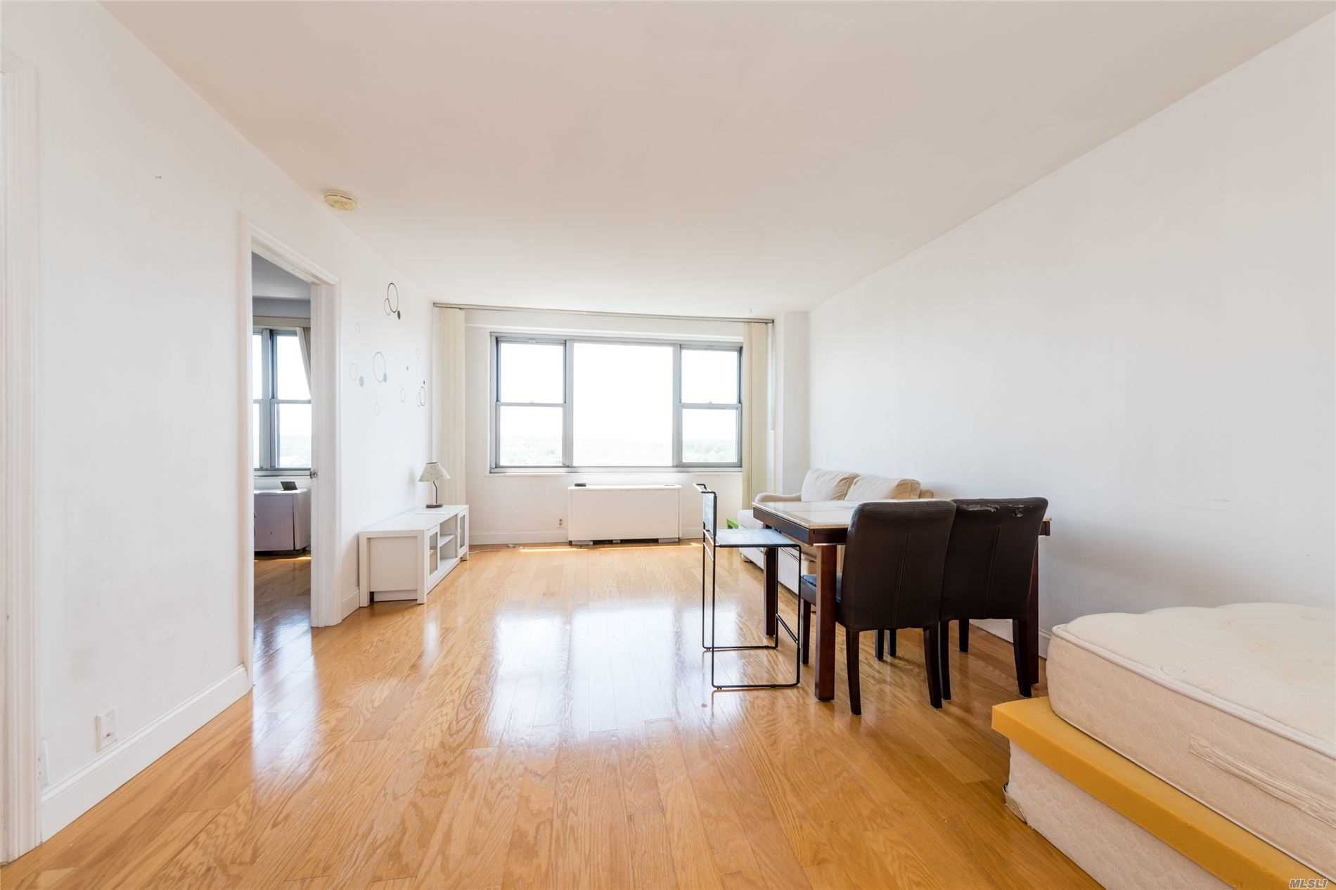 Property for sale at 70-25 Yellowstone Boulevard Unit: 12Q, Forest Hills,  New York 11375
