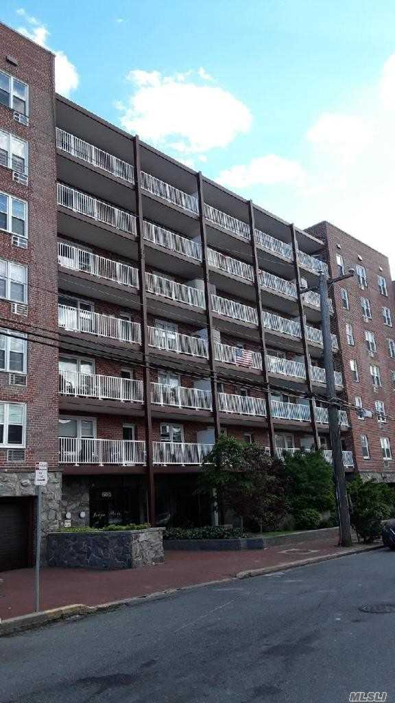 Property for sale at 666 Shore Road Unit: 5c, Long Beach,  New York 11561