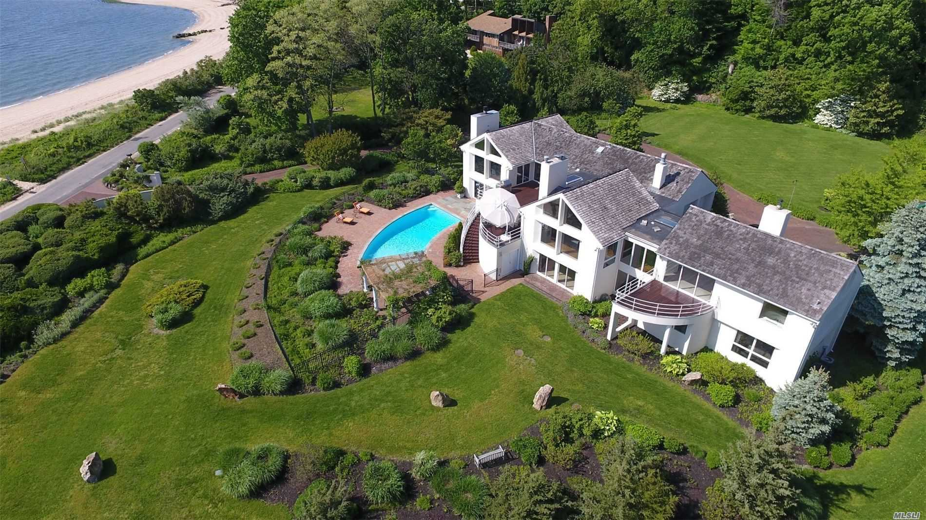 9 Lighthouse Road, Sands Point, NY 11050