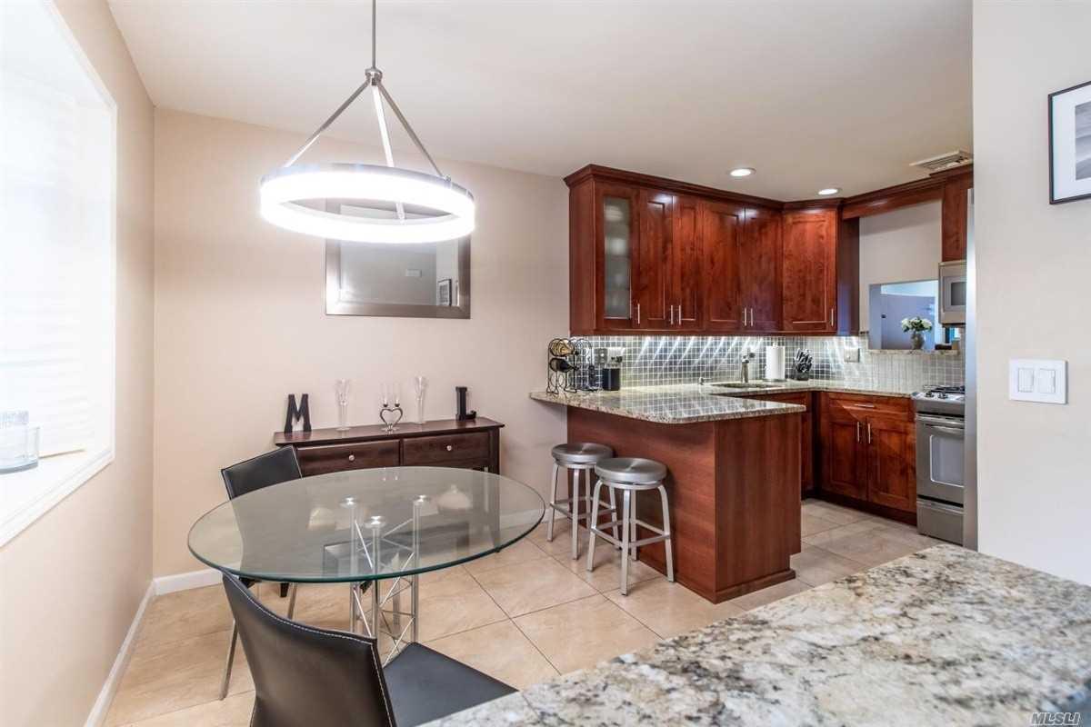 Property for sale at 1027 Jerusalem Ave Unit: 104, Uniondale,  New York 11553