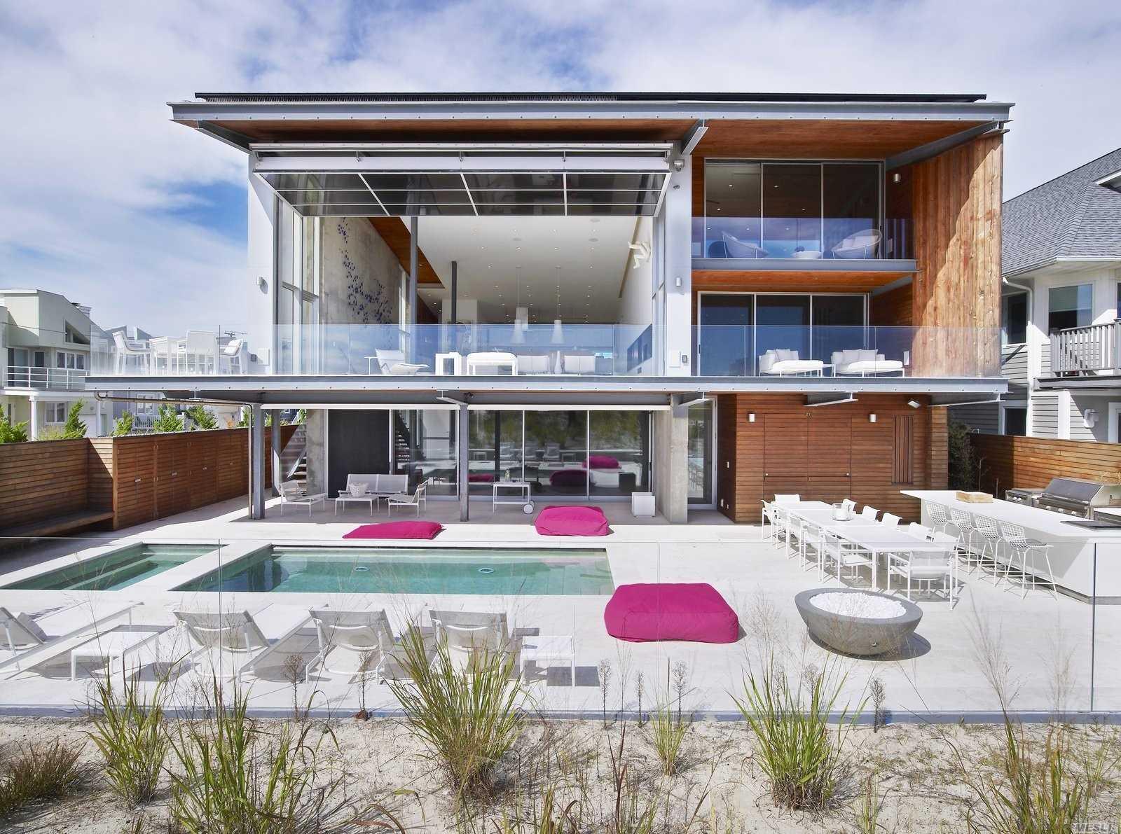 1029 Oceanfront Ave, Long Beach, NY 11561