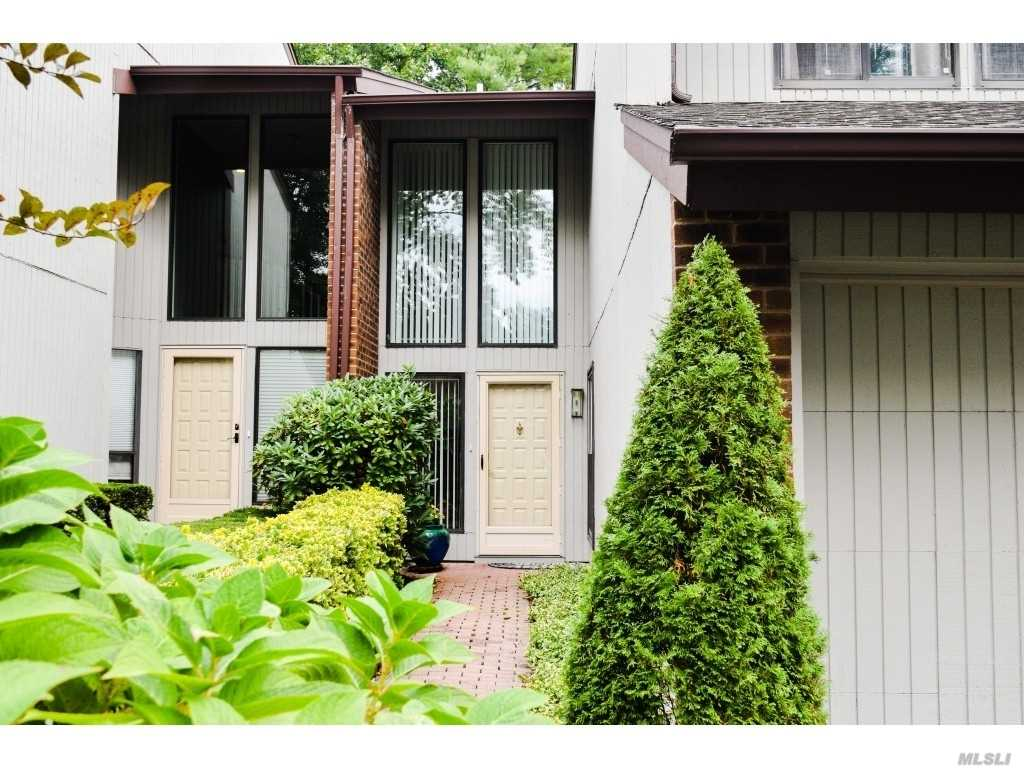 Property for sale at 27 Club Dr S, Jericho,  New York 11753