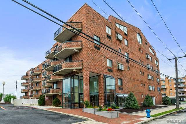 Property for sale at 750 W Broadway Unit: 3T, Long Beach,  New York 11561