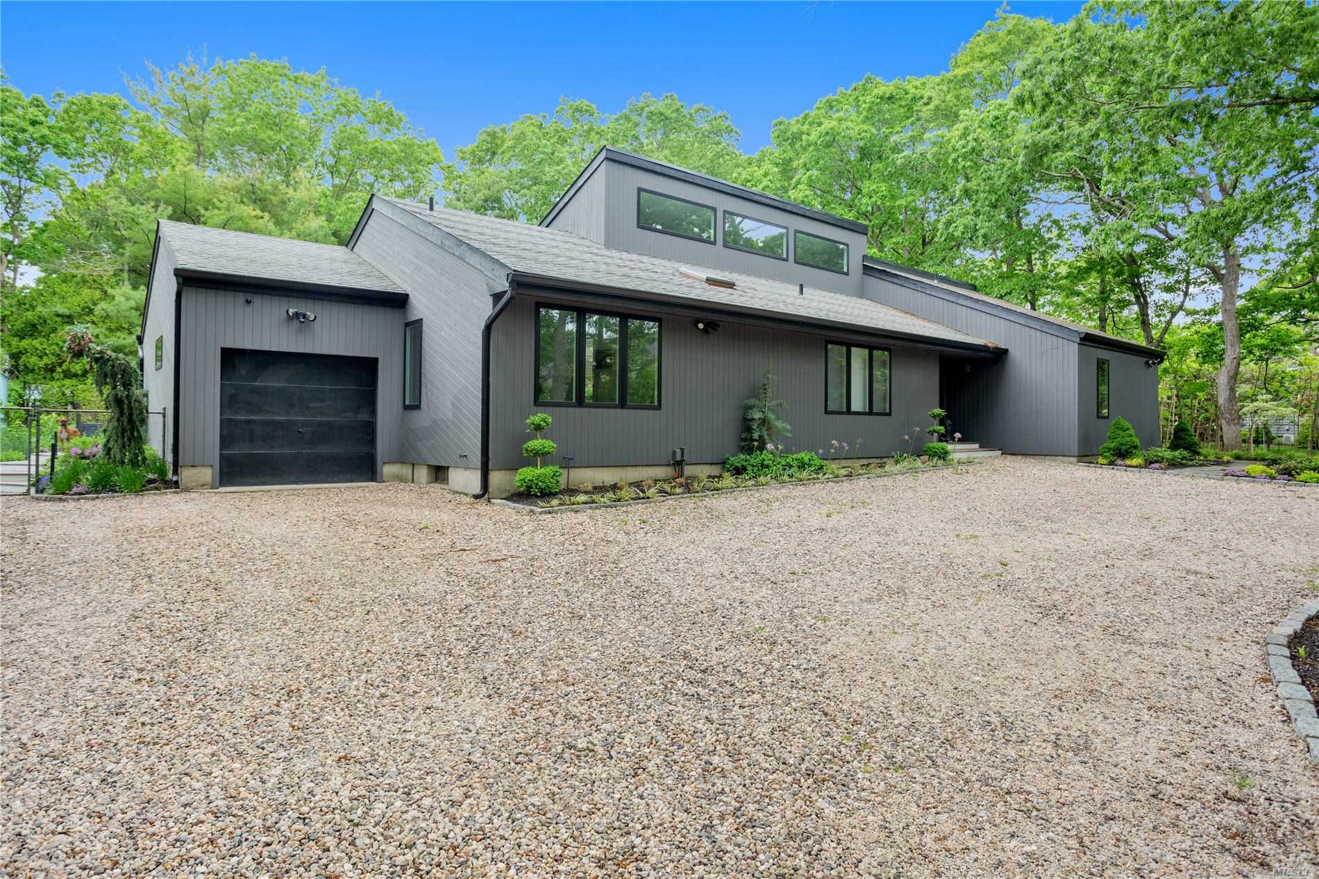 3 Blueberry Lane, Quogue, New York 11959, 4 Bedrooms Bedrooms, ,3 BathroomsBathrooms,Residential,For Rent,Blueberry,3225104