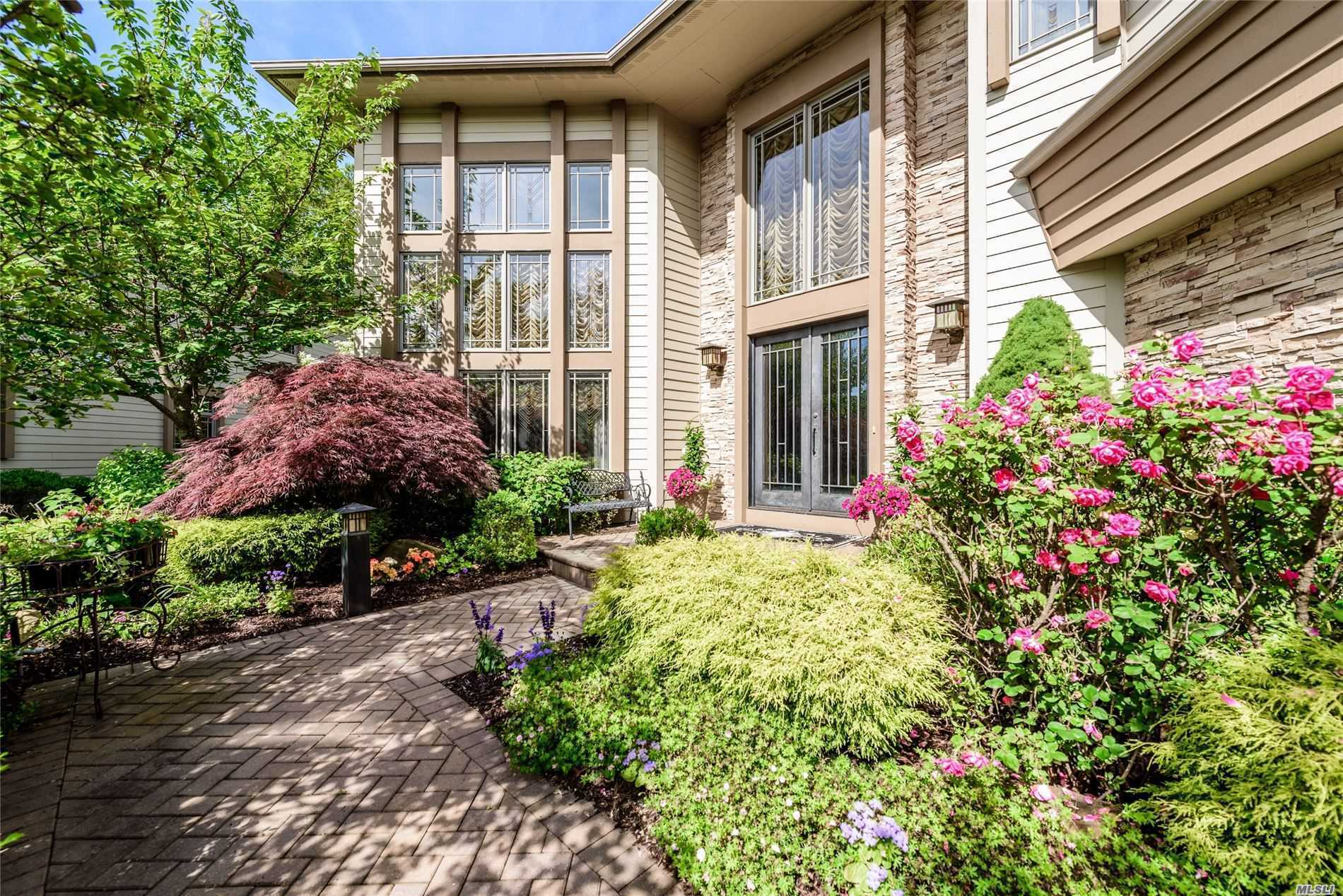 Property for sale at 25 Olde Hamlet Drive, Jericho,  New York 11753