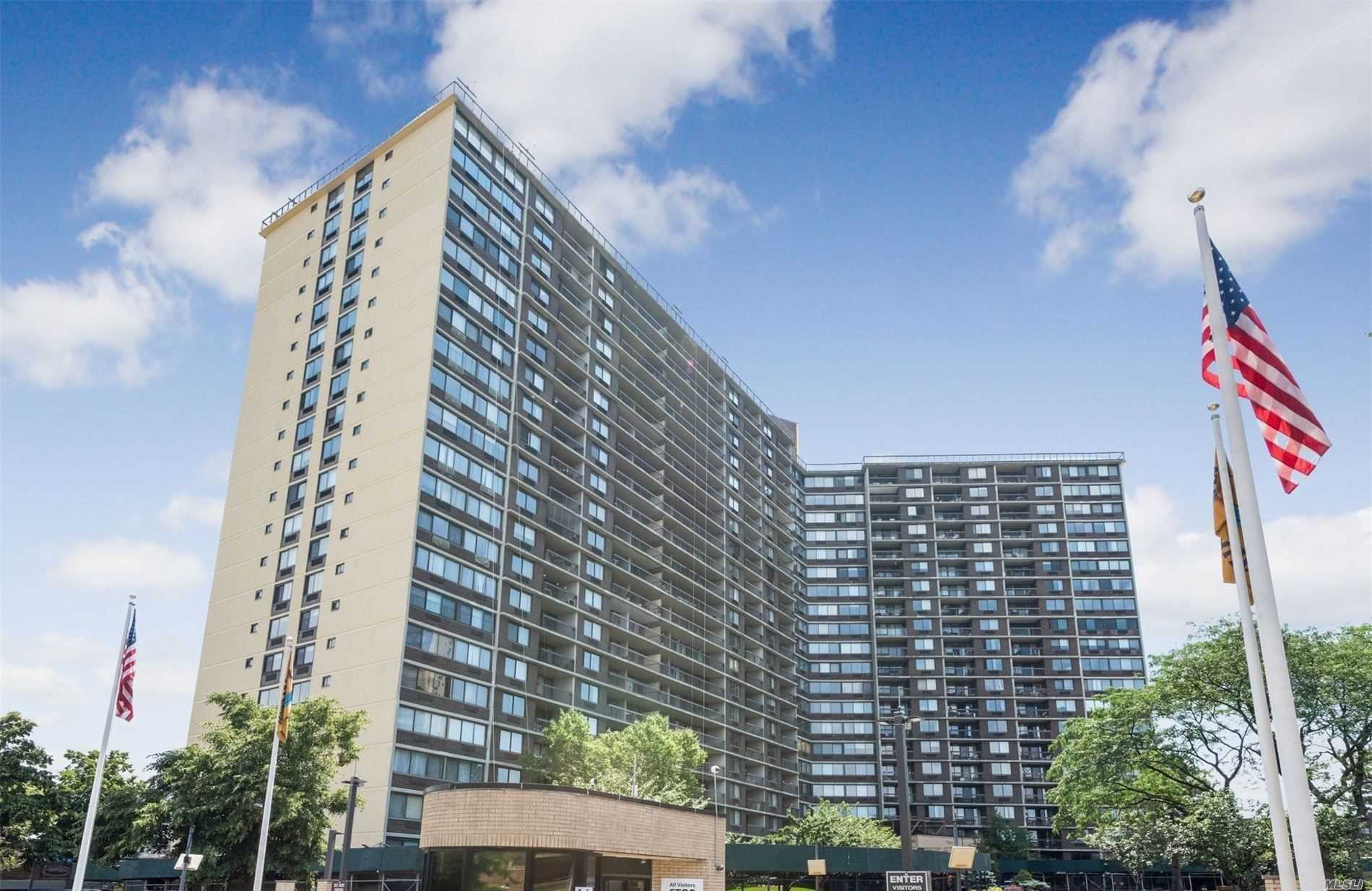 Property for sale at 2 Bay Club Drive Unit: 9S, Bayside,  New York 11360