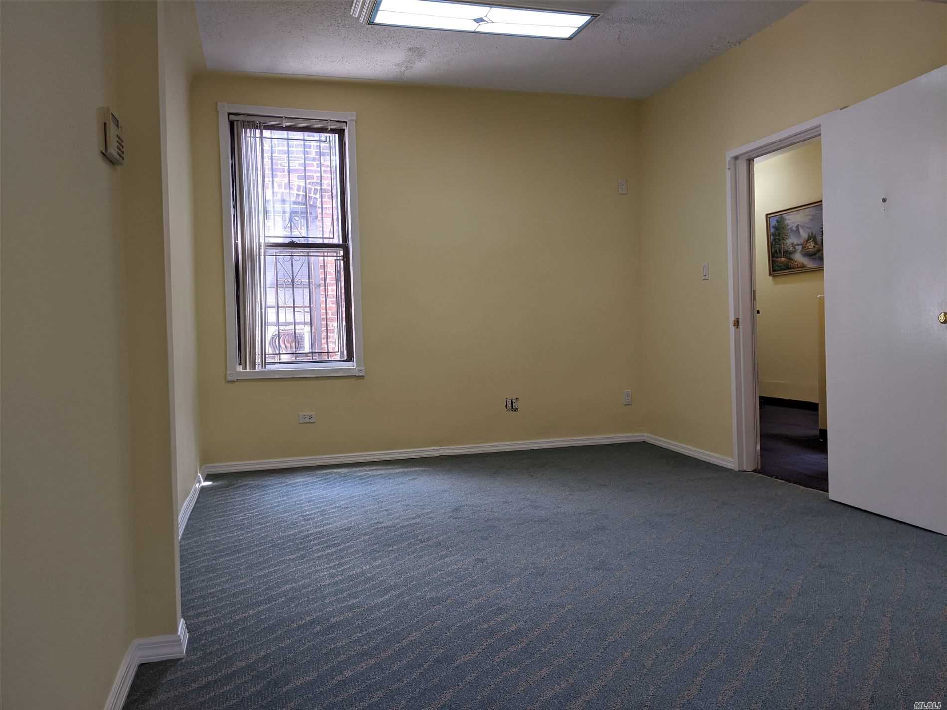 Commercial Lease Roosevelt Avenue  Queens, NY 11372, MLS-3226653-3