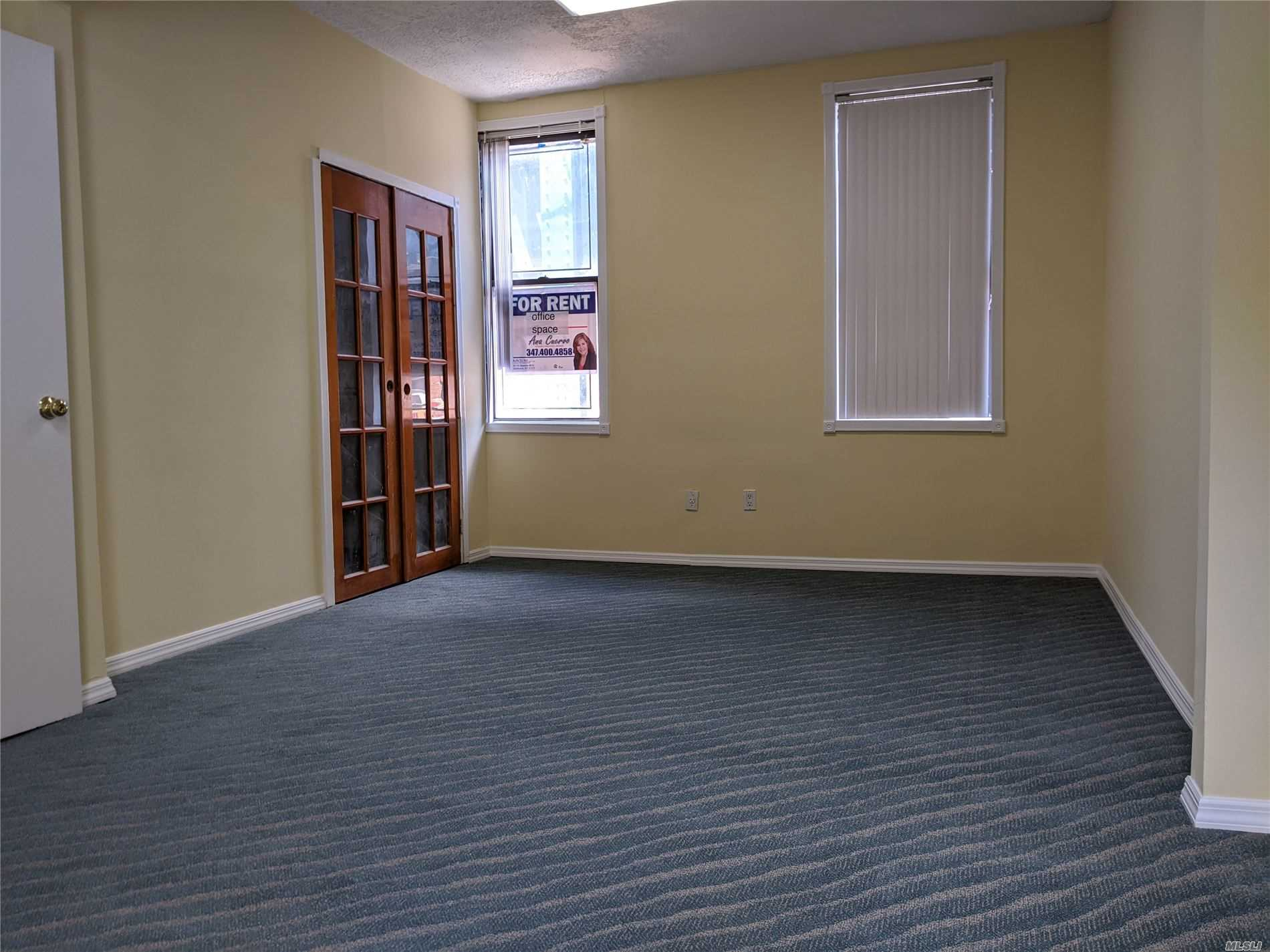 Commercial Lease in Flushing - Roosevelt Avenue  Queens, NY 11372