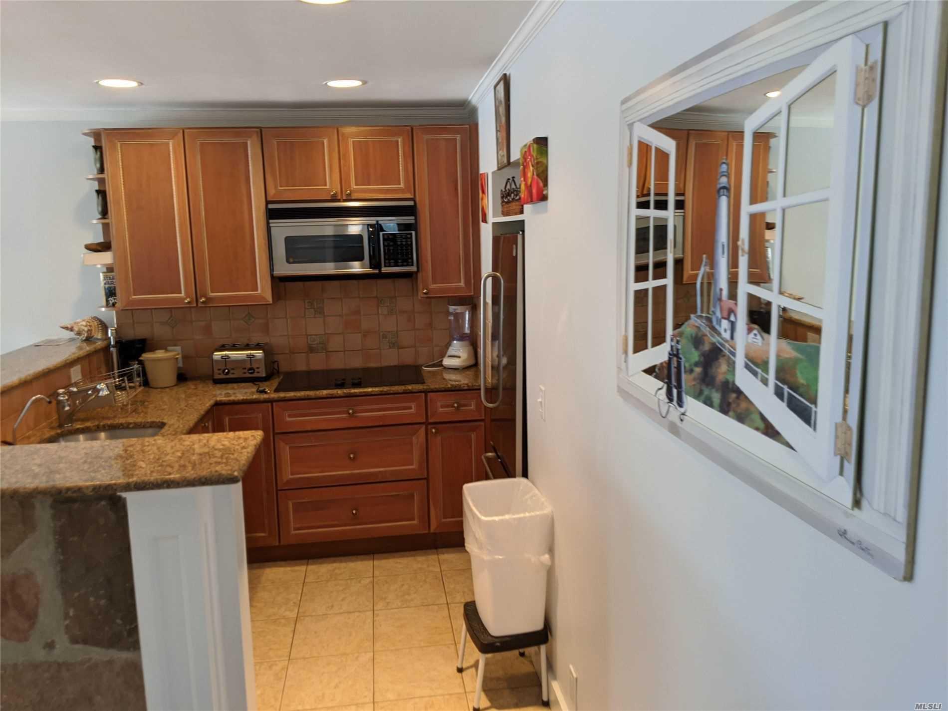 231 Dune, Westhampton Bch, New York 11978, 1 Bedroom Bedrooms, ,1 BathroomBathrooms,Residential,For Rent,Dune,3227314